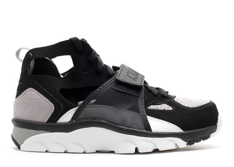 Condimento Persona especial Cerdo  Air Trainer Huarache 'Black' - Nike - 679083 010 - black/black-medium  grey-white | Flight Club