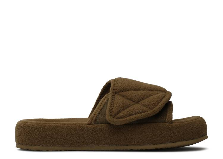 Yeezy Season 7 Fleece Slide 'Trench'