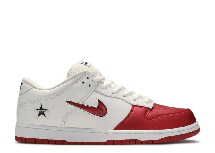 Supreme x Dunk SB Low QS 'Varsity Red'