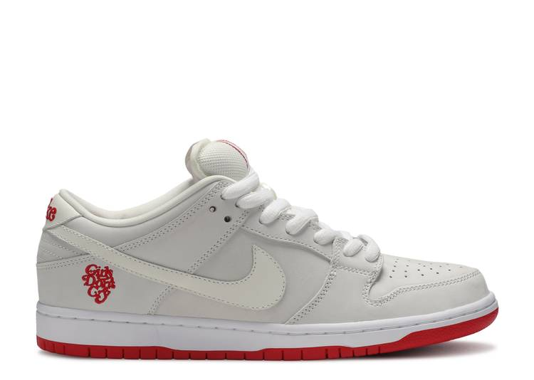 Por nombre volumen artículo  Girls Don't Cry X Dunk Low Pro SB QS 'Friends & Family' - Nike - BQ6832 100  - sail/sail/white/university red | Flight Club