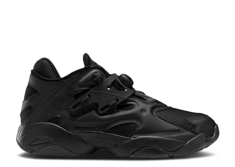 Pump Court 'Triple Black'