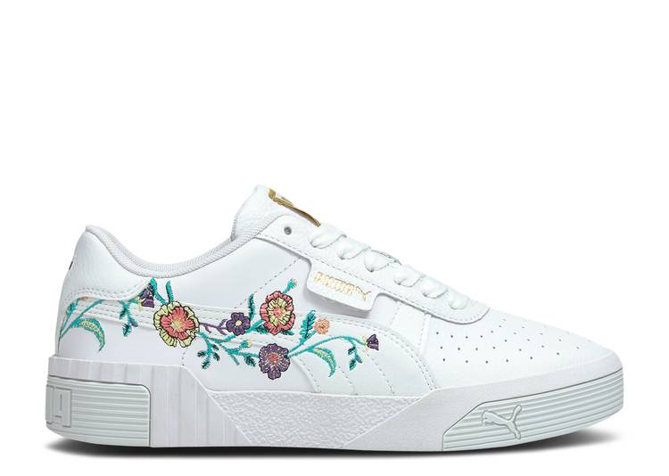 Wmns Cali 'Embroidered Floral'