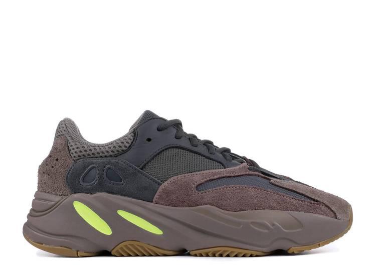 crisantemo su prestar  Adidas Yeezy Boost 700 Sneakers | Flight Club
