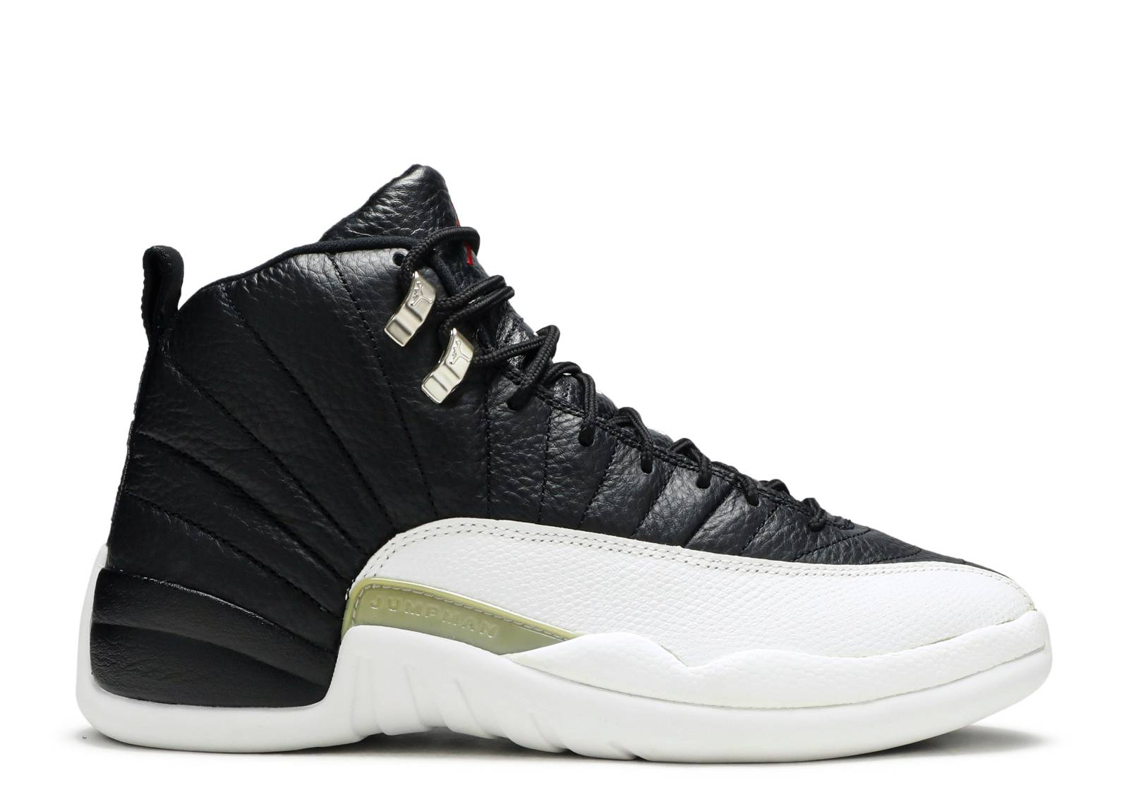 air jordan 12 retro playoff black&white background