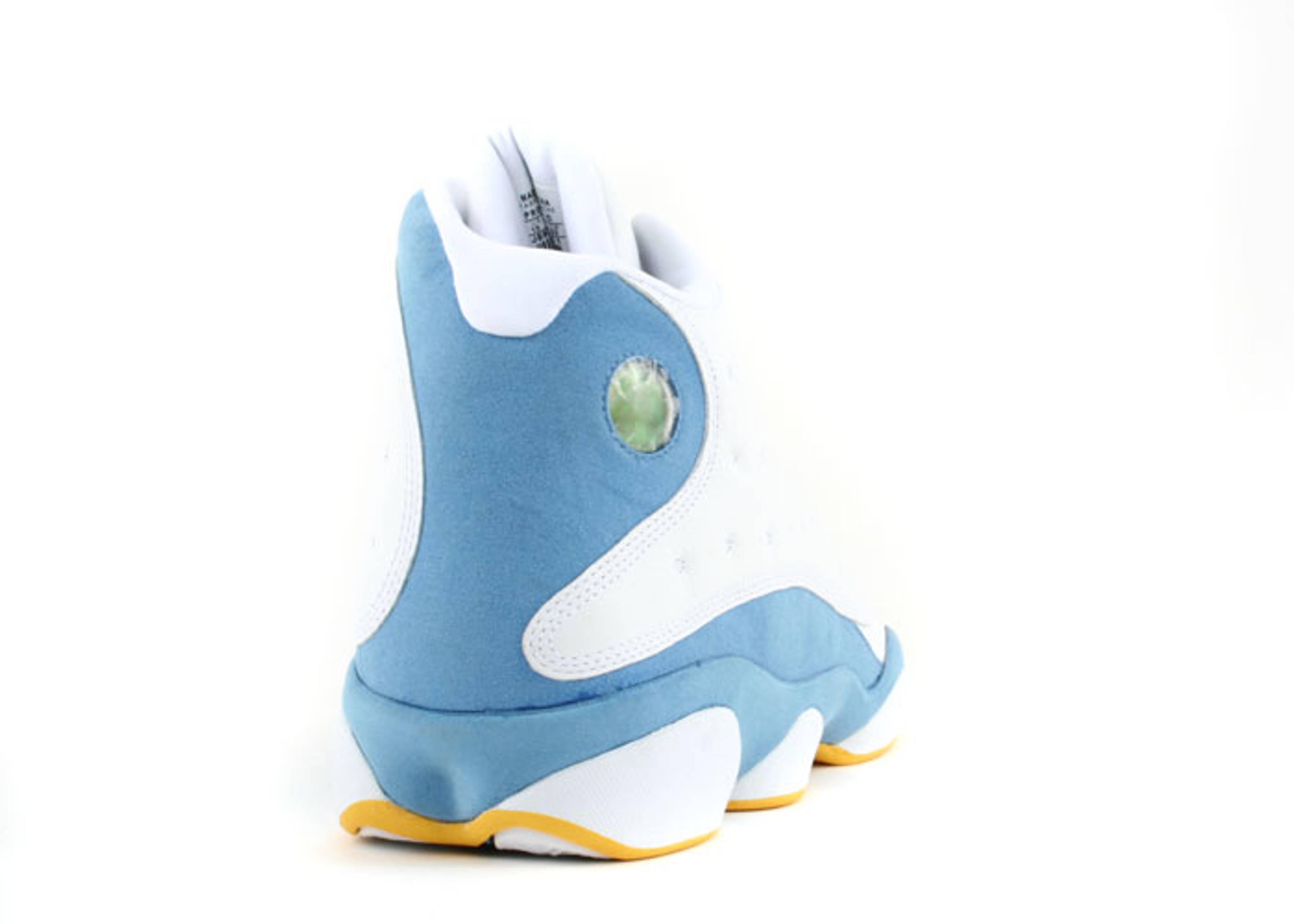104f34182411f New Nike Garnet Gold Shoes