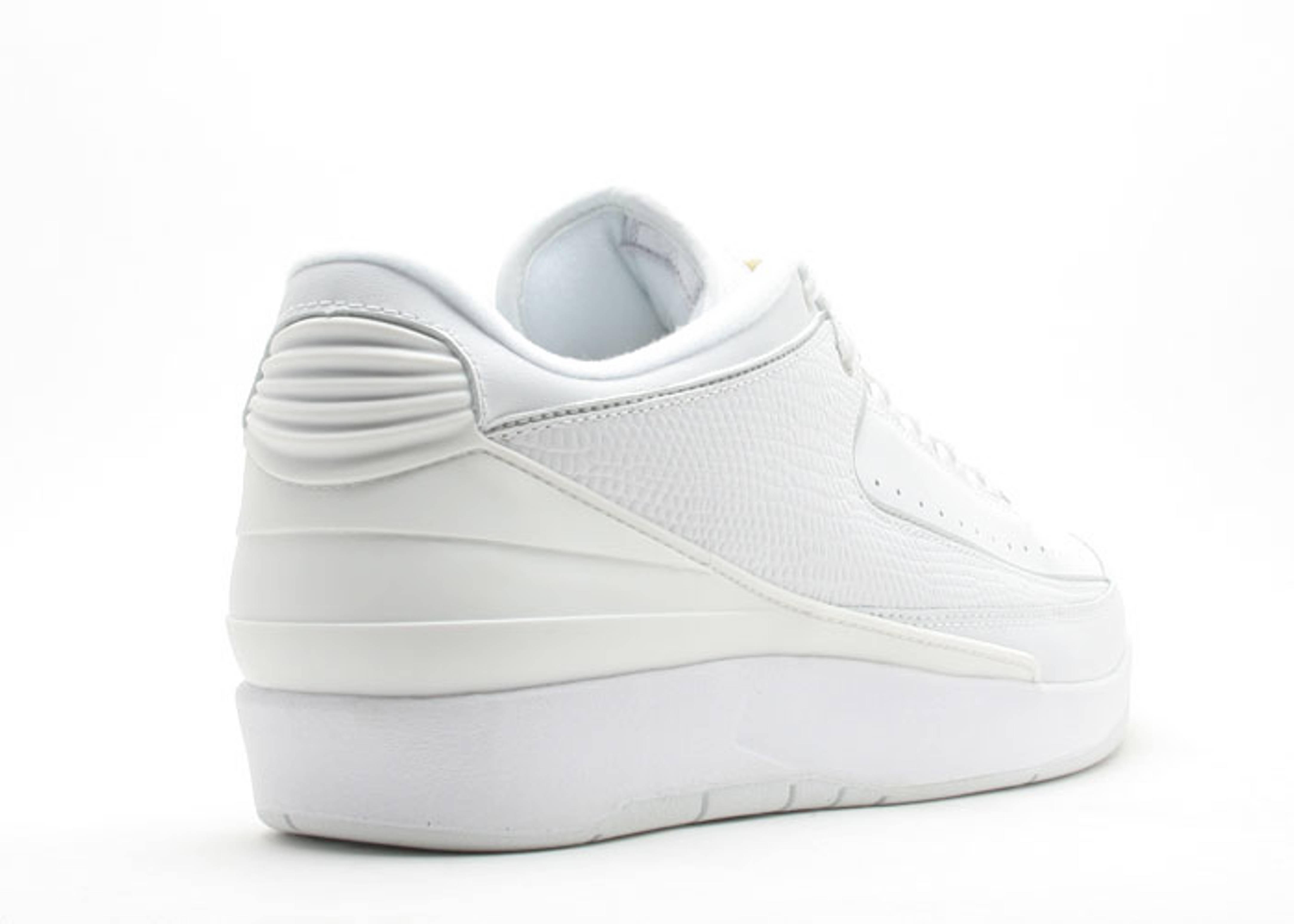 8e0b06e1ebb703 Air Jordan 2 Retro Low - Air Jordan - 309837 102 - white metallic silver-varsity  maize