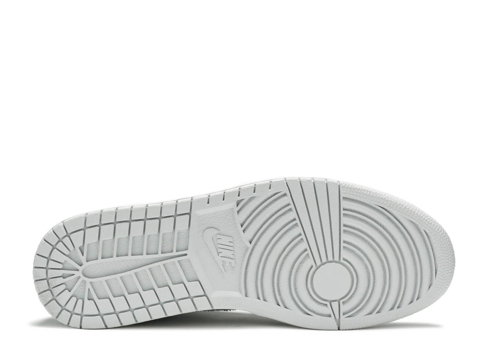 new product 89265 2b9bf Air Jordan 1 Retro Hi Silver