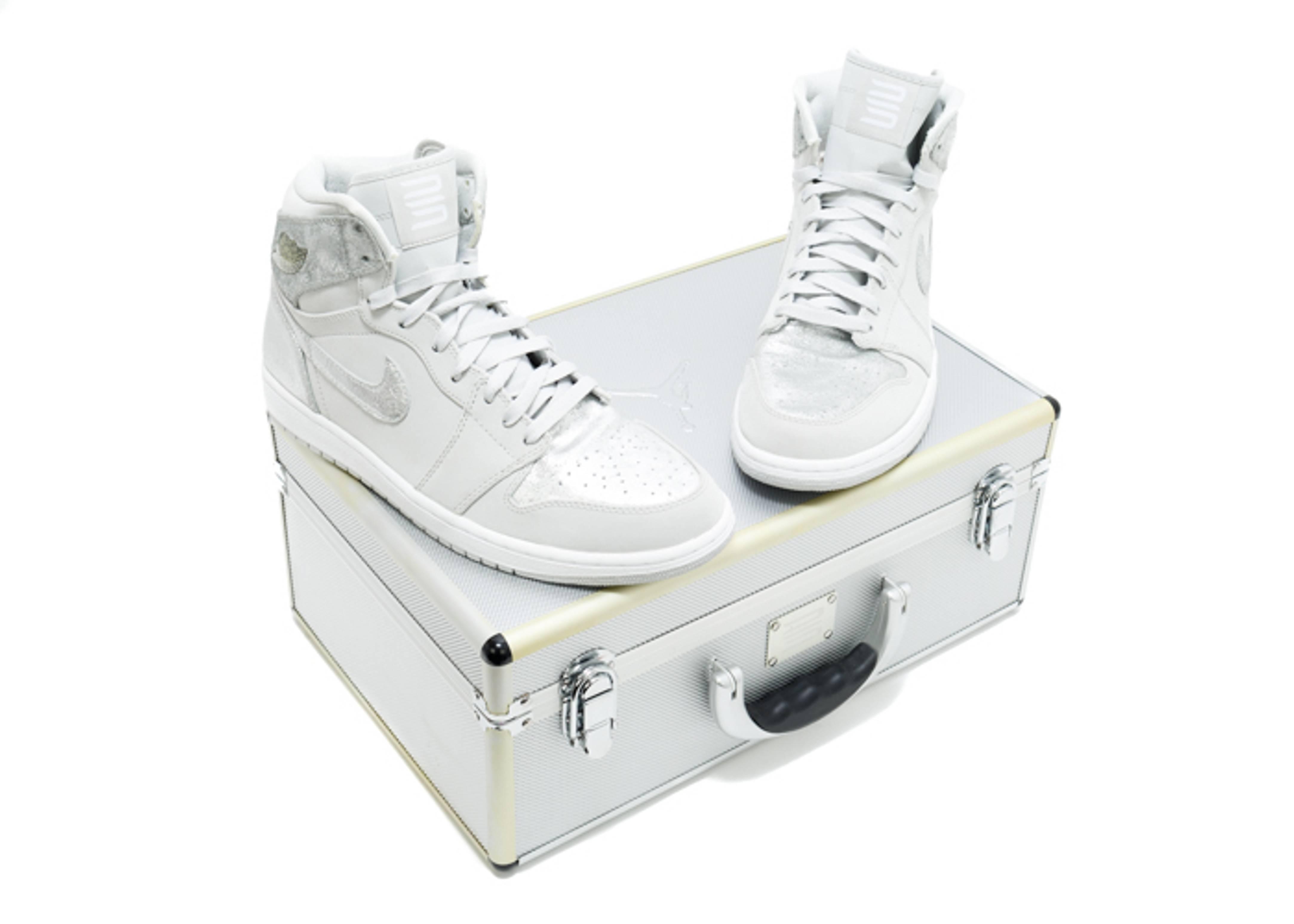 f5e5006bbb6d3e Air Jordan 1 Retro Hi Silver