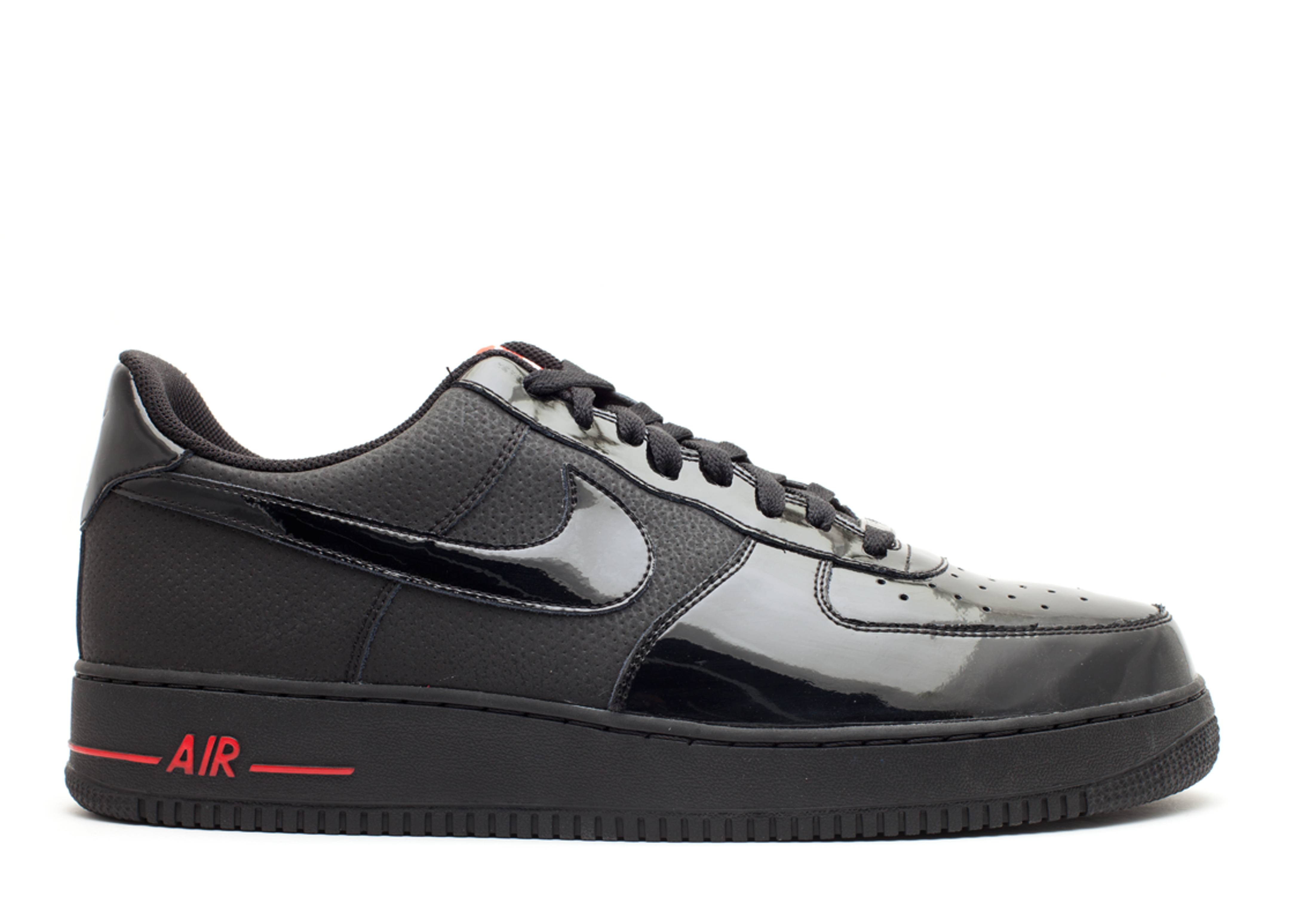 Nike Air Force 1 07 Black White Red Sport Size 11.5