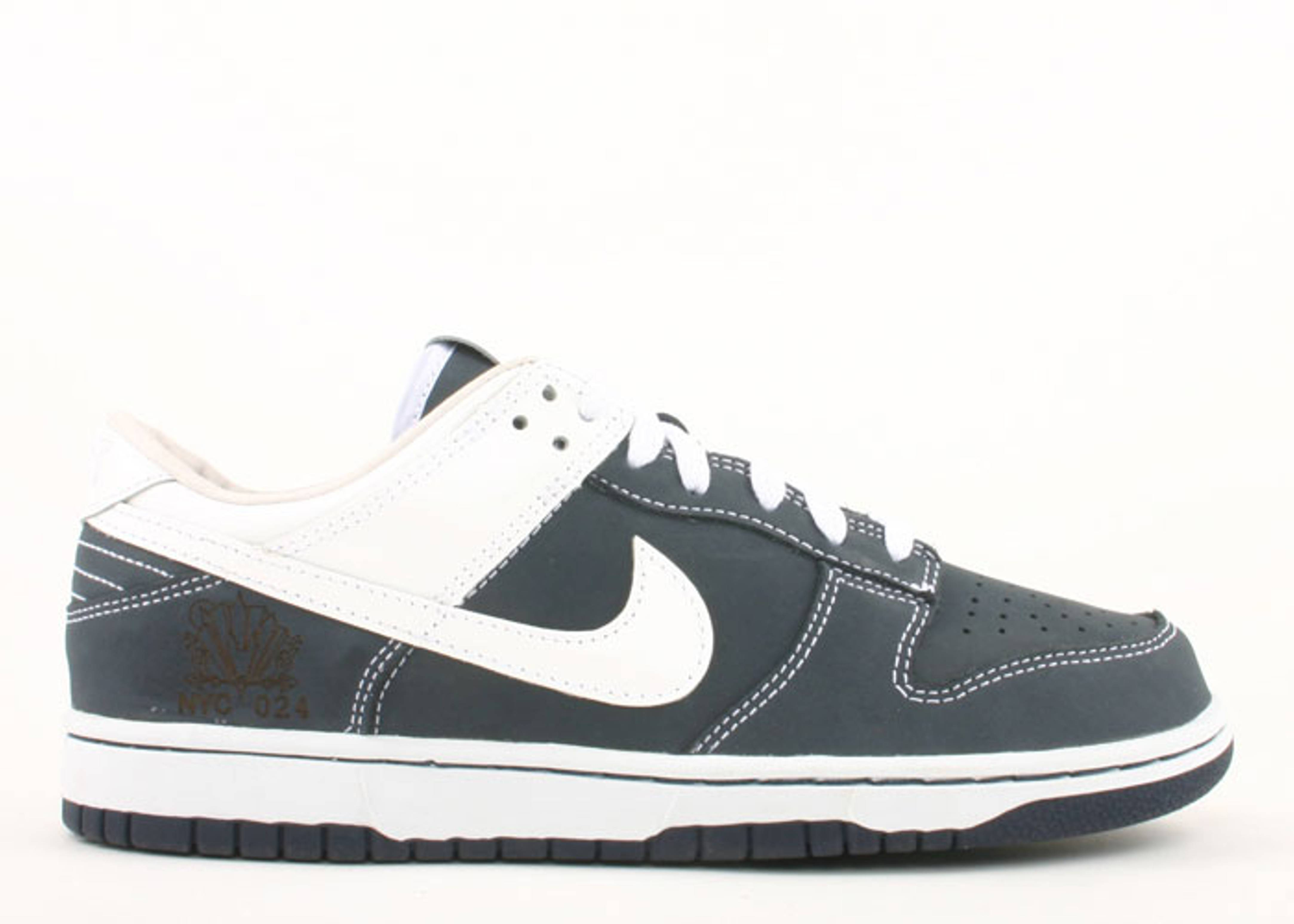 """dunk lo id25 """"sole collector yankees"""""""
