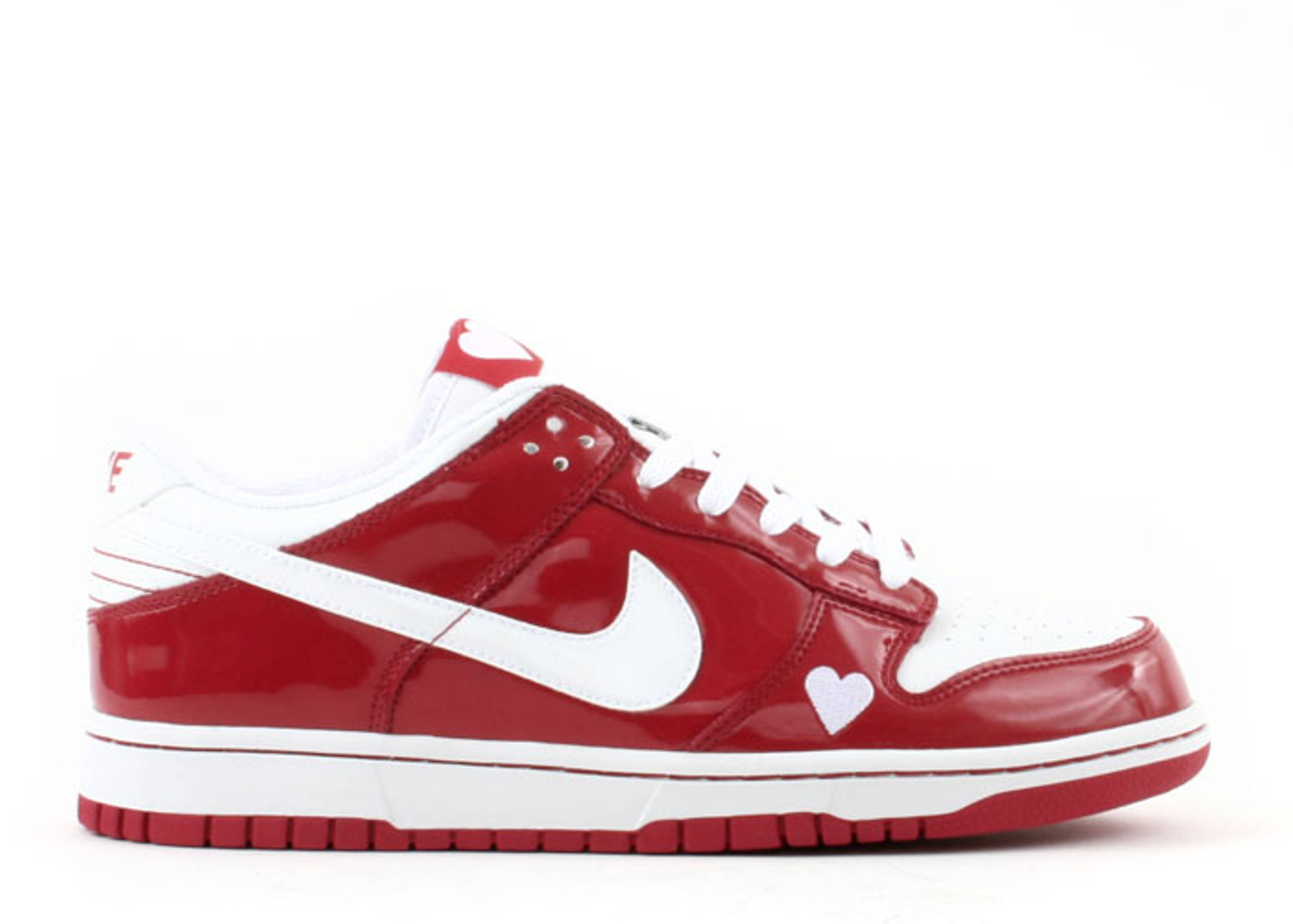 """womens dunk low """"valentines day"""""""