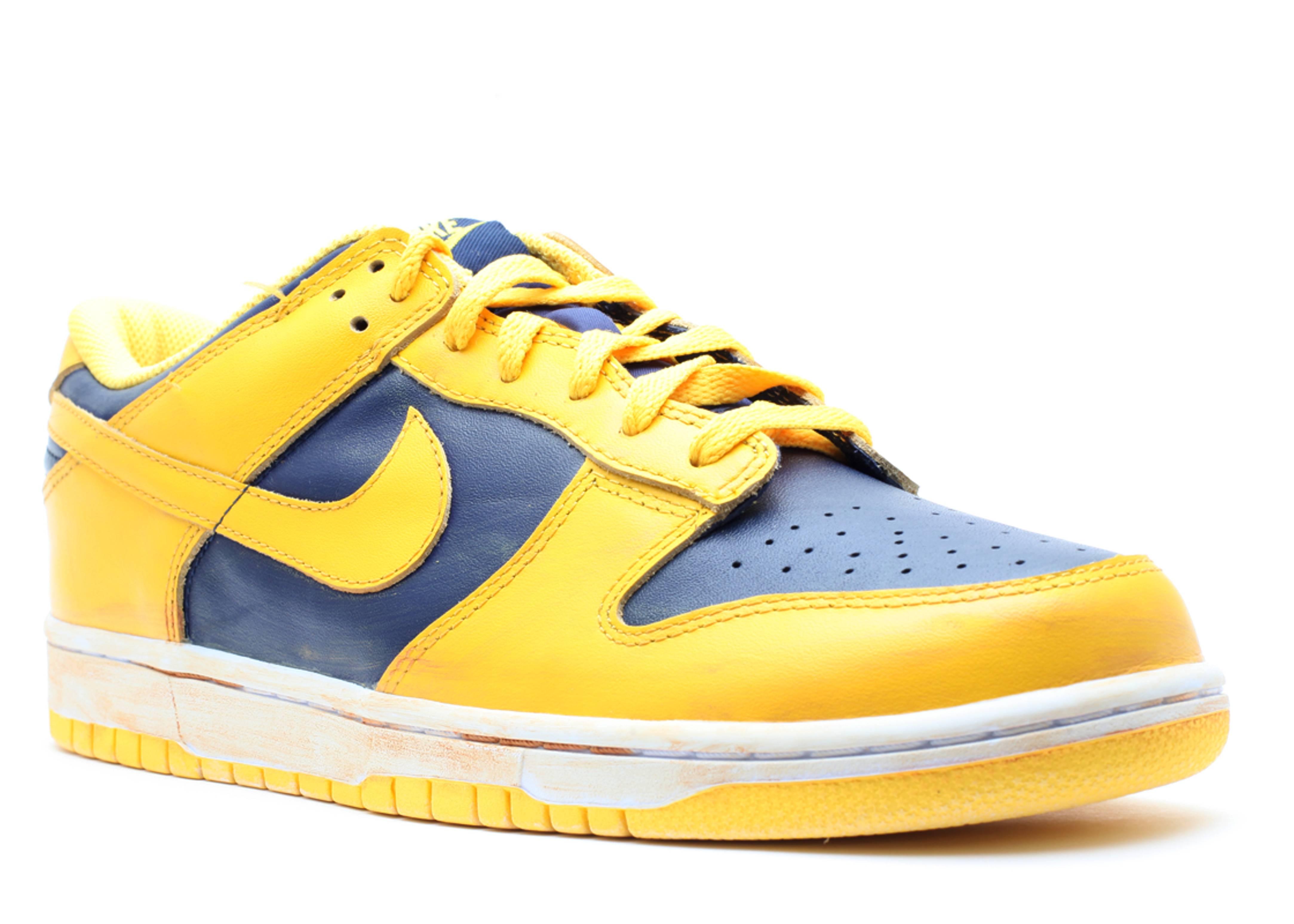 buy popular 96b6b e46c7 Dunk Low Vntg - Nike - 446242 700 - varisty maize/midnight navy ...