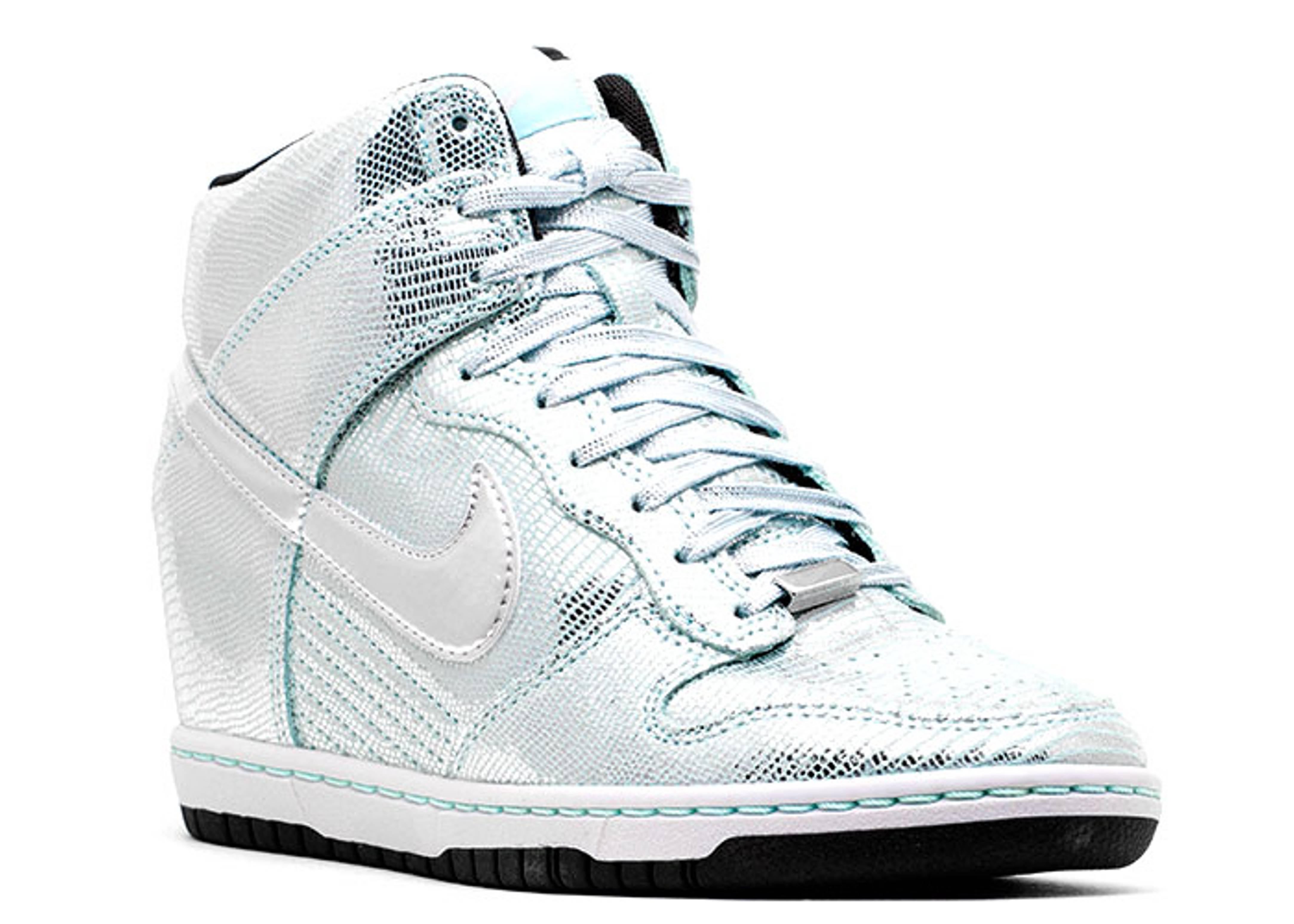 34d1f1de4303d1 Nike Sky Dunk Silver Size 9