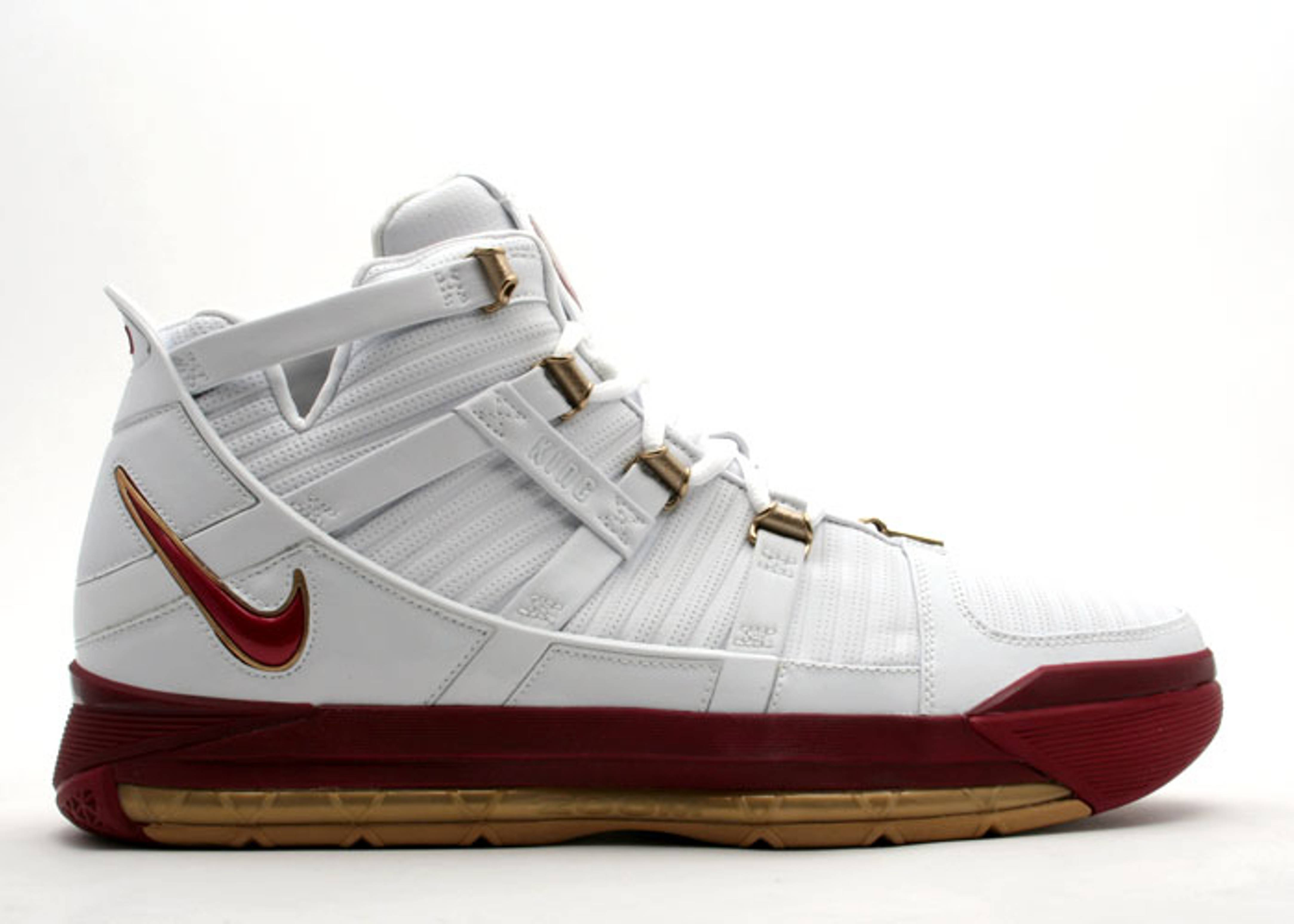 "zoom lebron 3 ""area code playoffs"""