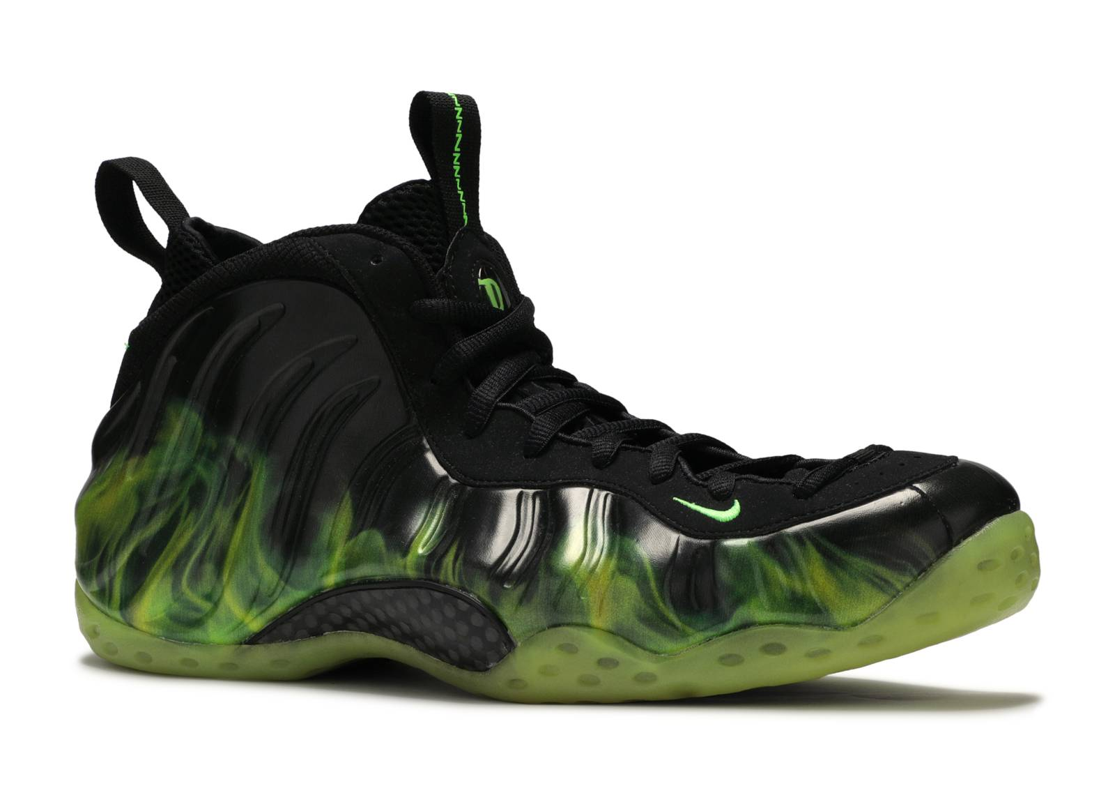 nike. air foamposite one paranorman