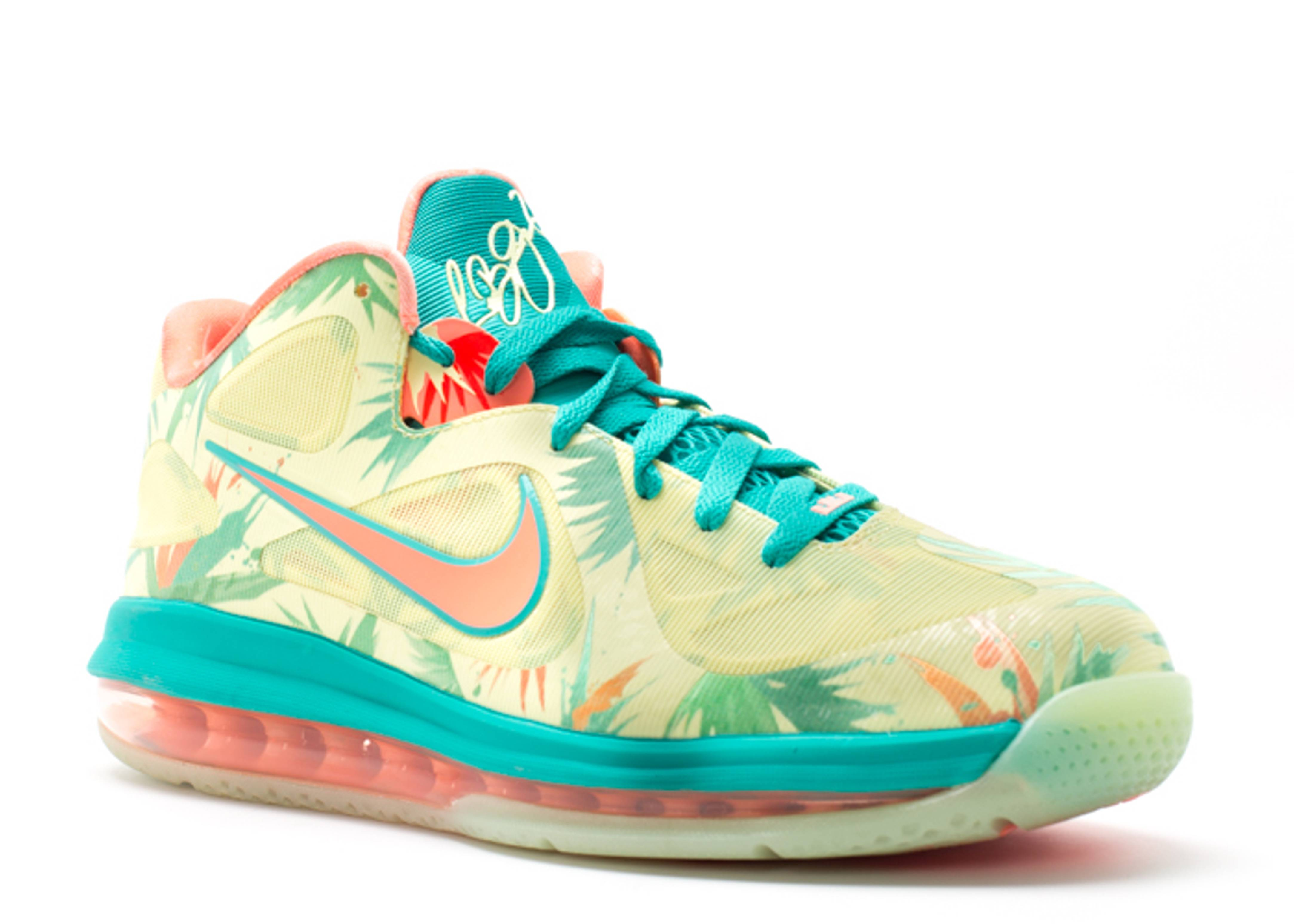 brand new b0bc6 a3fd5 Lebron 9 Low