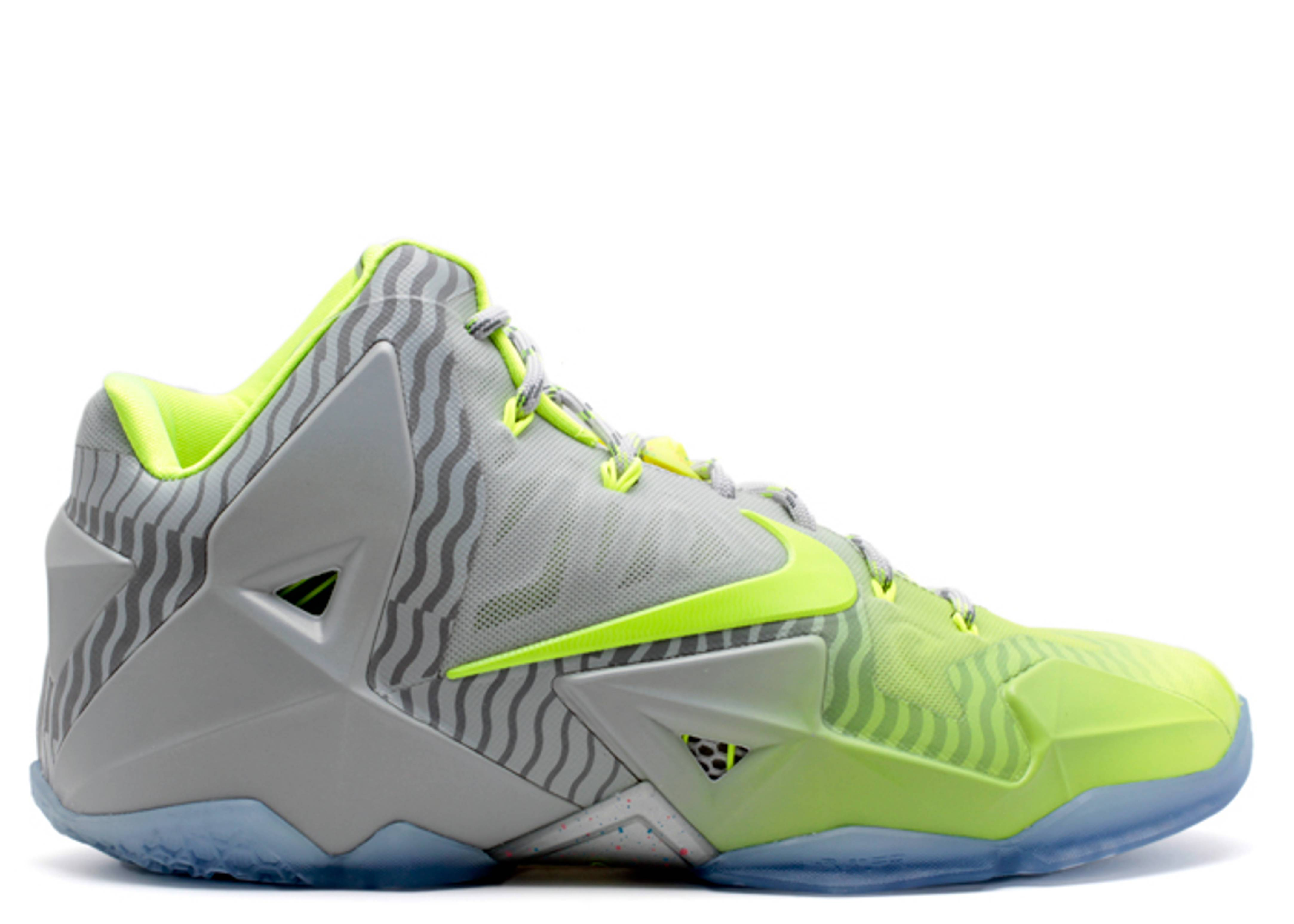 hot sale online a3712 fb0a3 lebron 11 collection