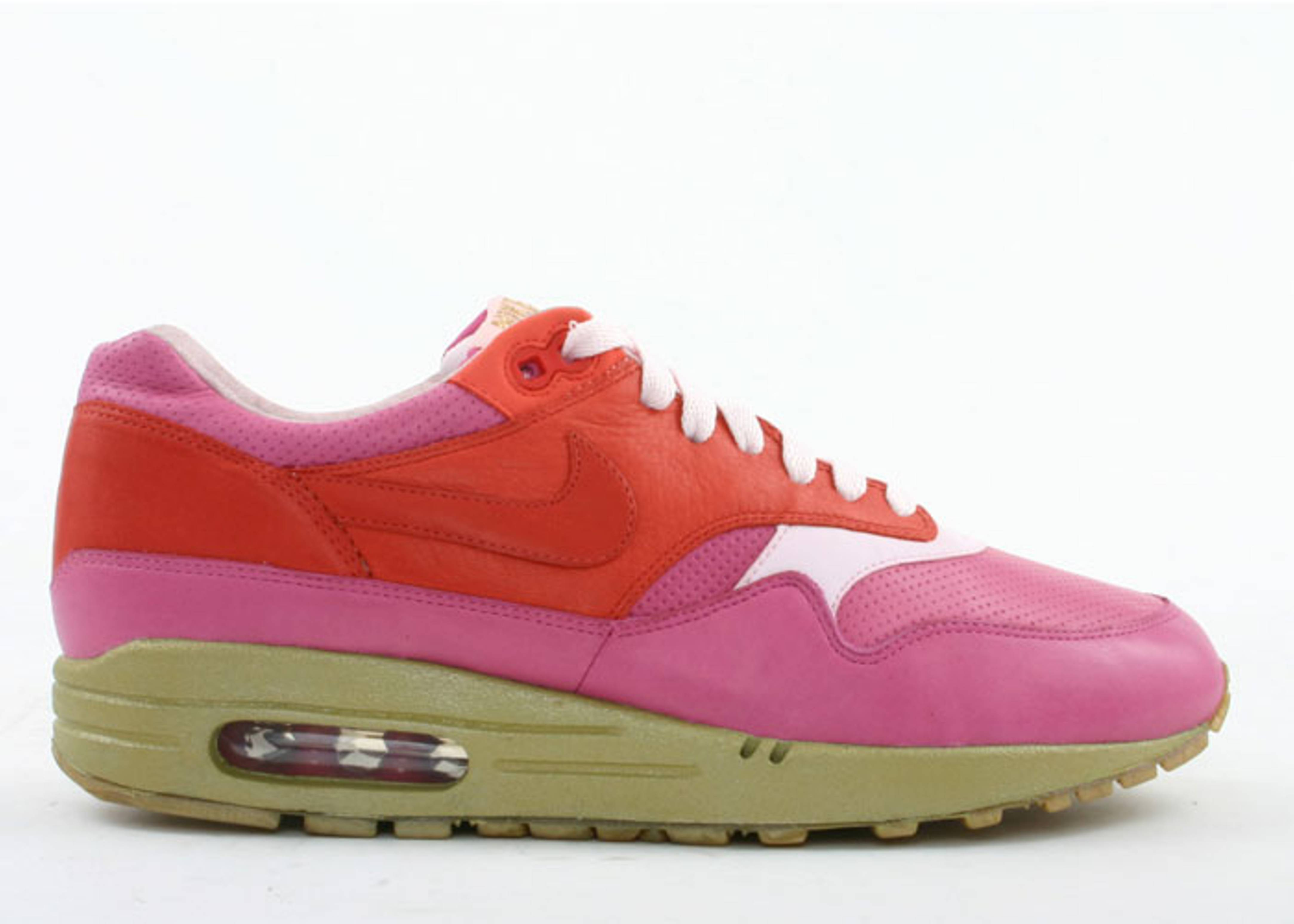 "air max 1 ""kid robot"""