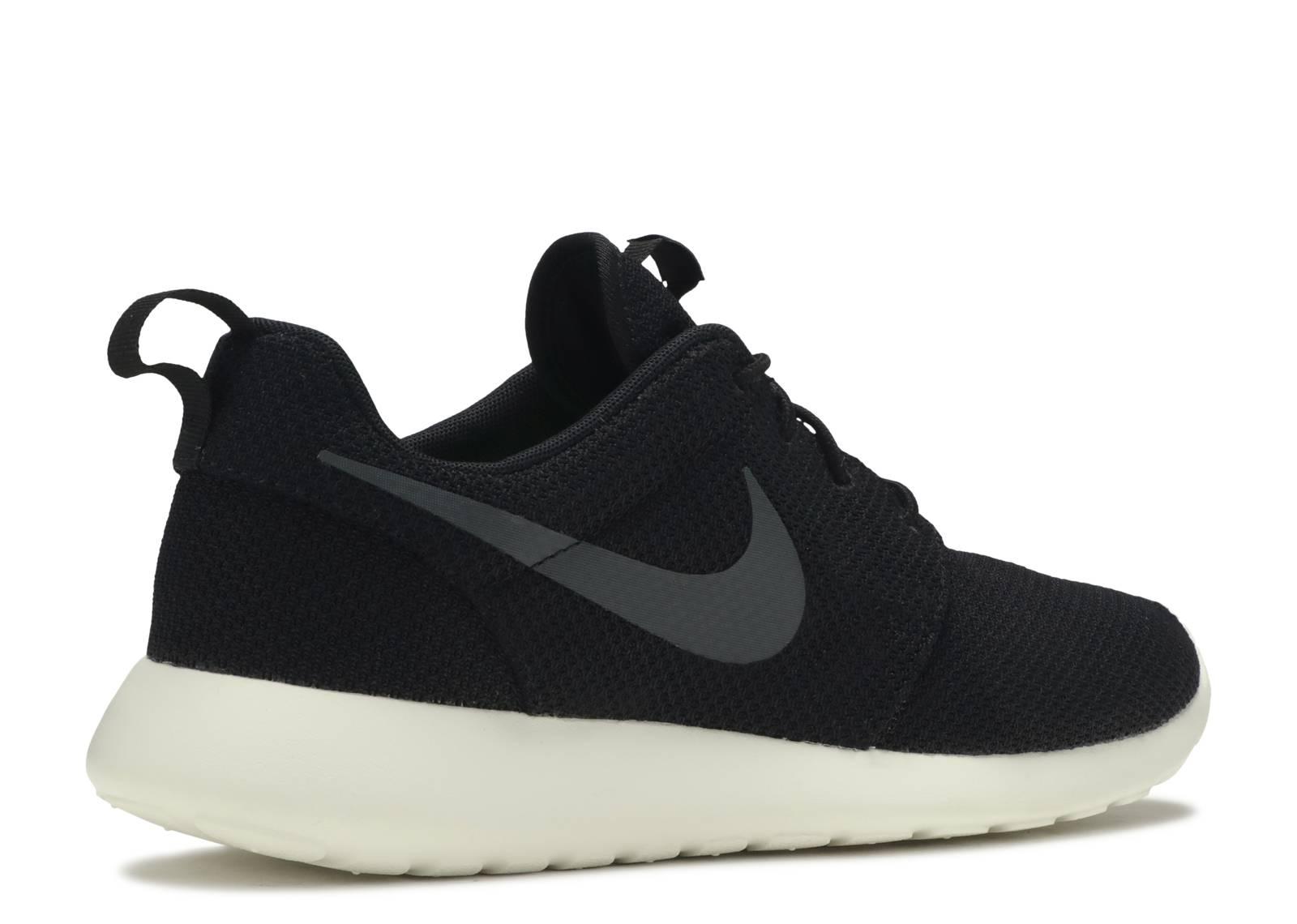 beb69c5ede43 Rosherun - Nike - 511881 010 - black anthracite-sail