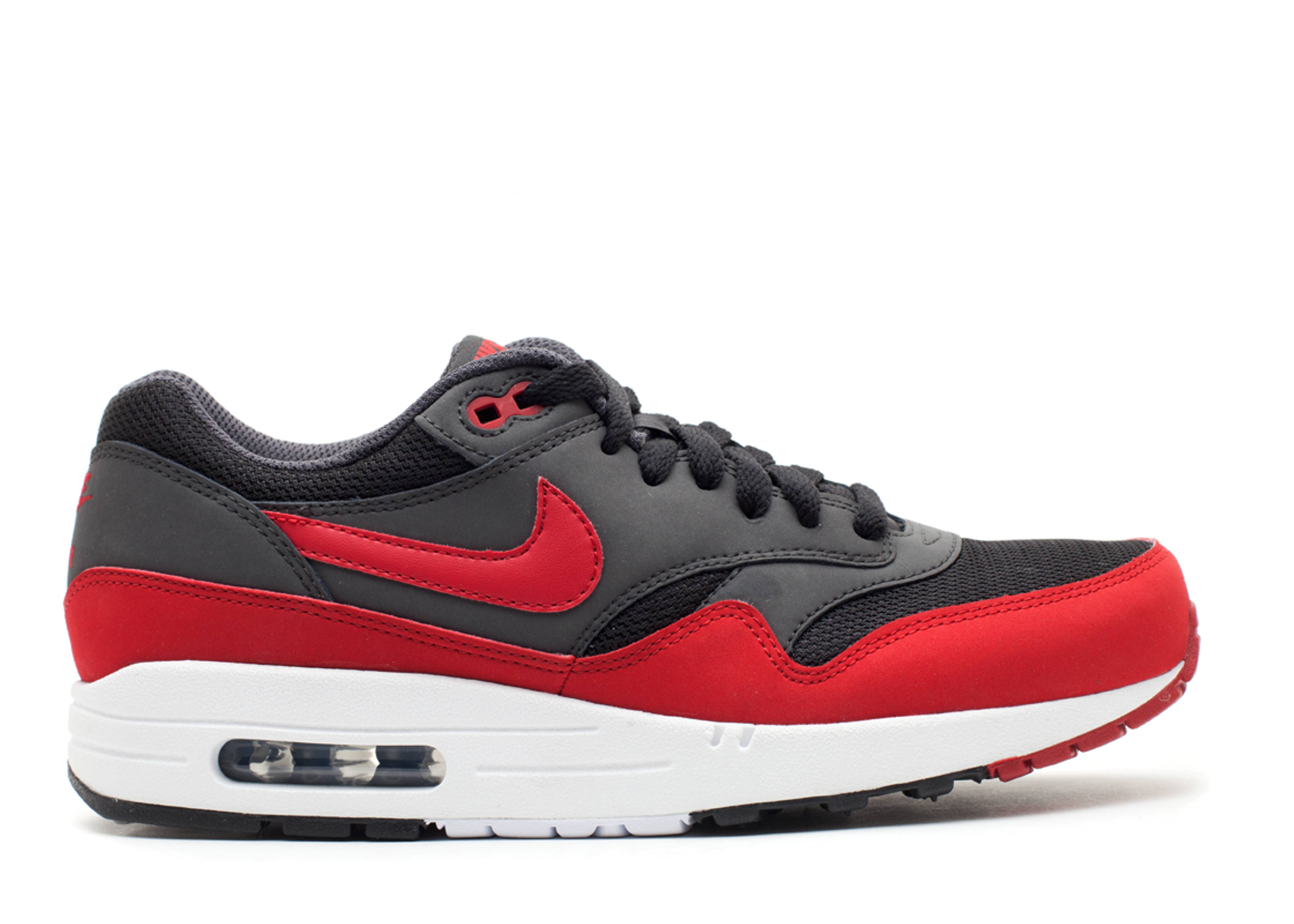Nike Air Max 1 Essential Trainers 537383 125