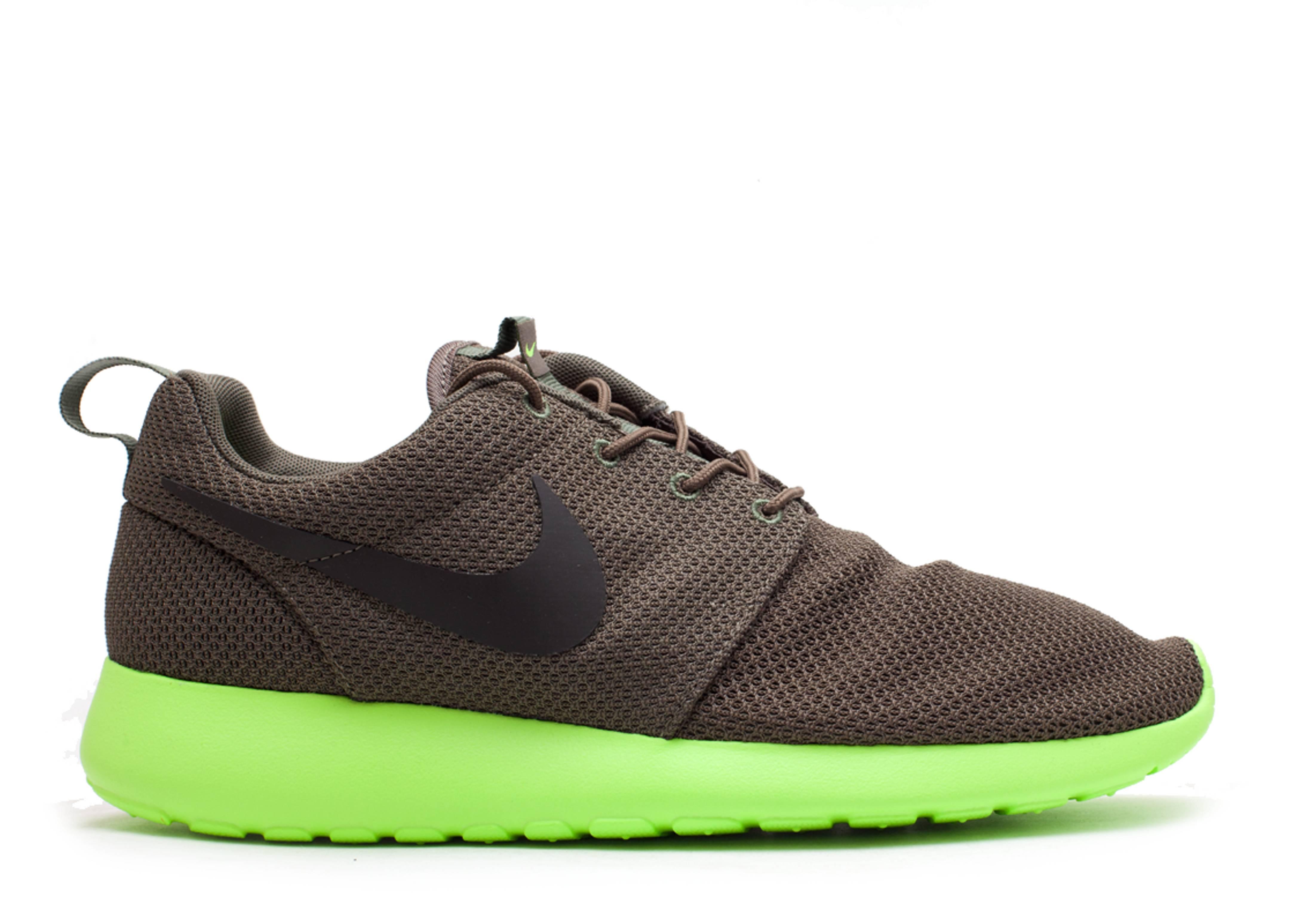 7a328fca24f4 Rosherun - Nike - 511881 307 - tarp green deep smoke-volt