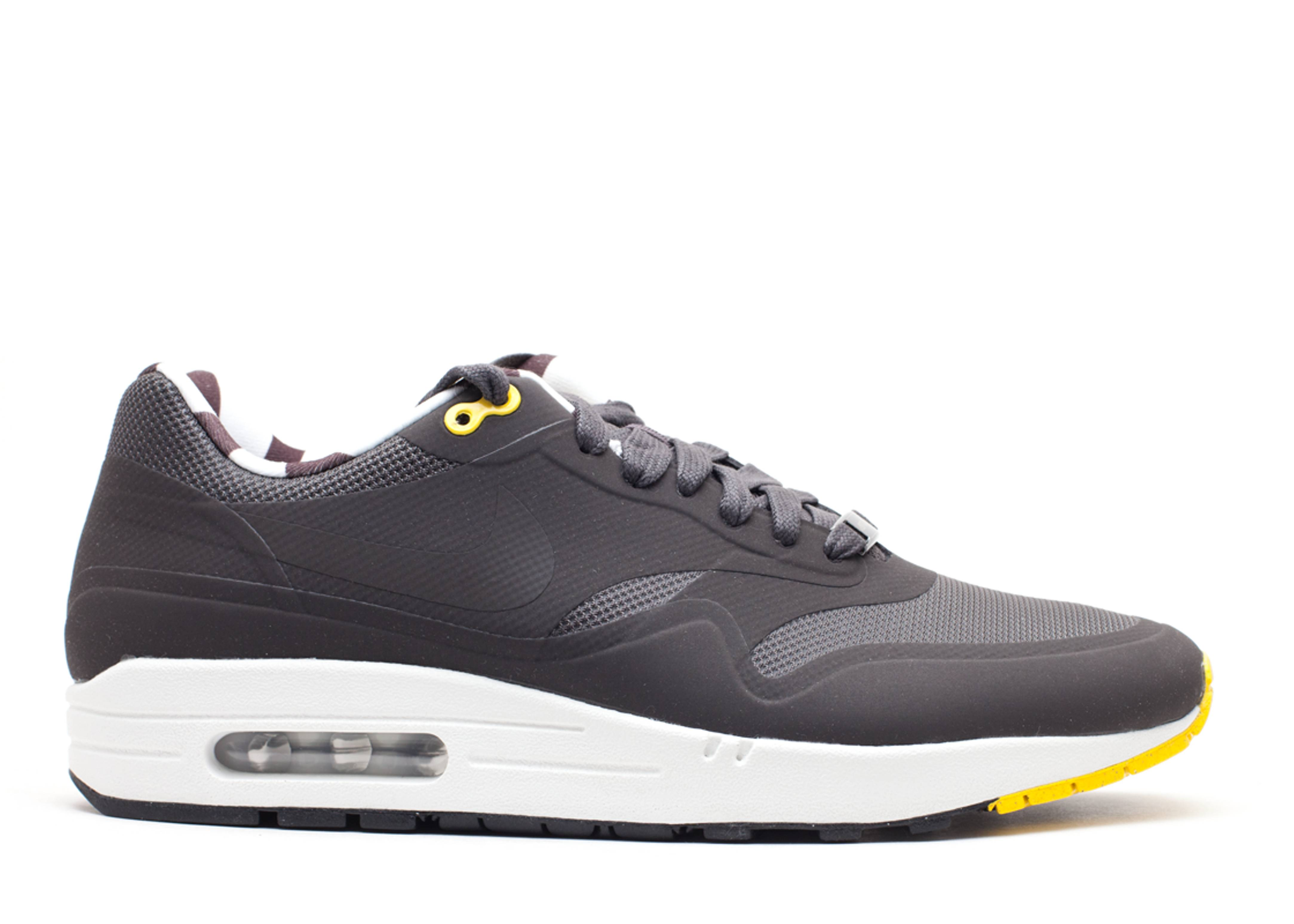 air max 1 paris qs