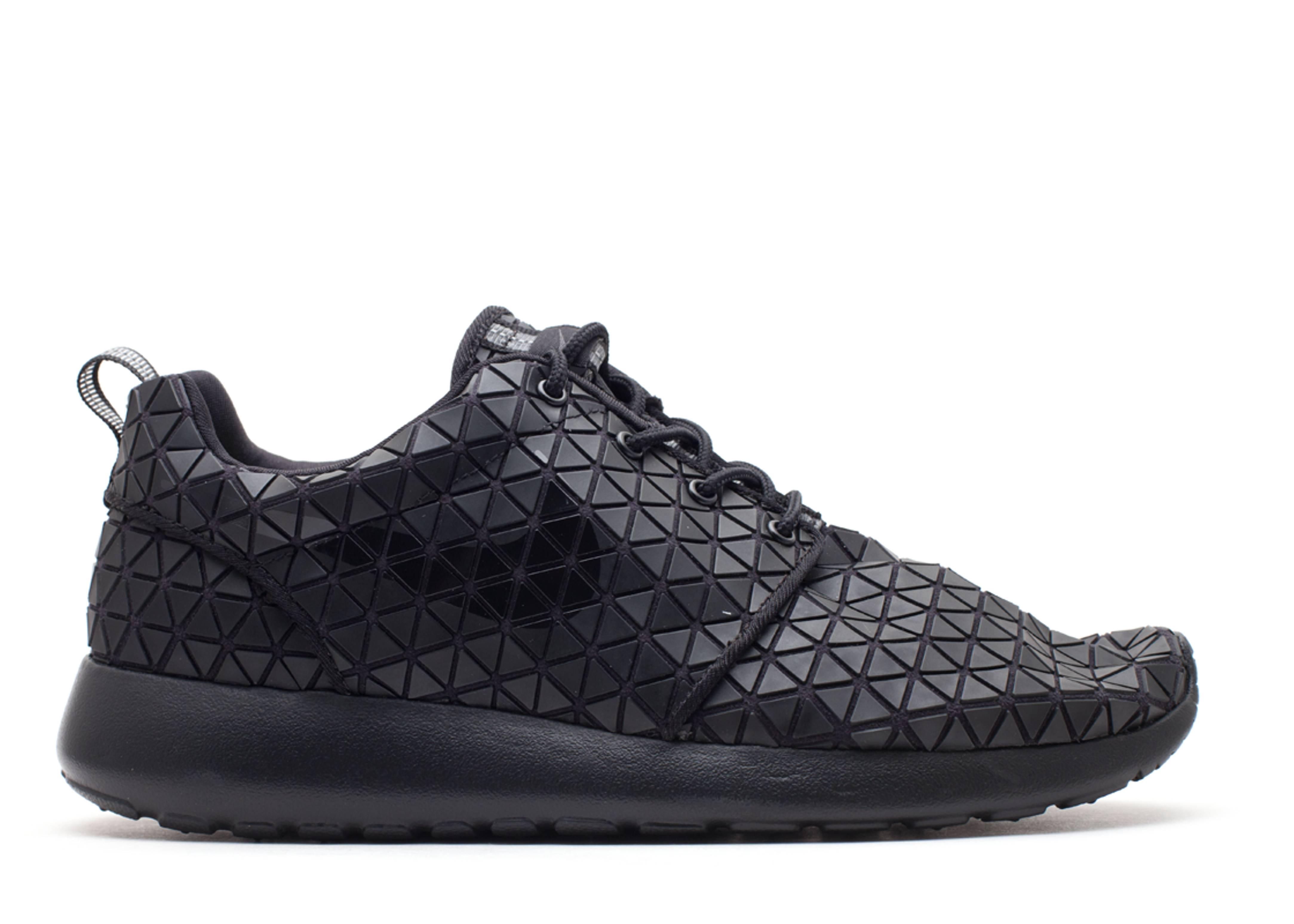 info for 3ca58 e6650 W s Roshe Run Metric Qs - Nike - 607284 001 - black black-black   Flight  Club