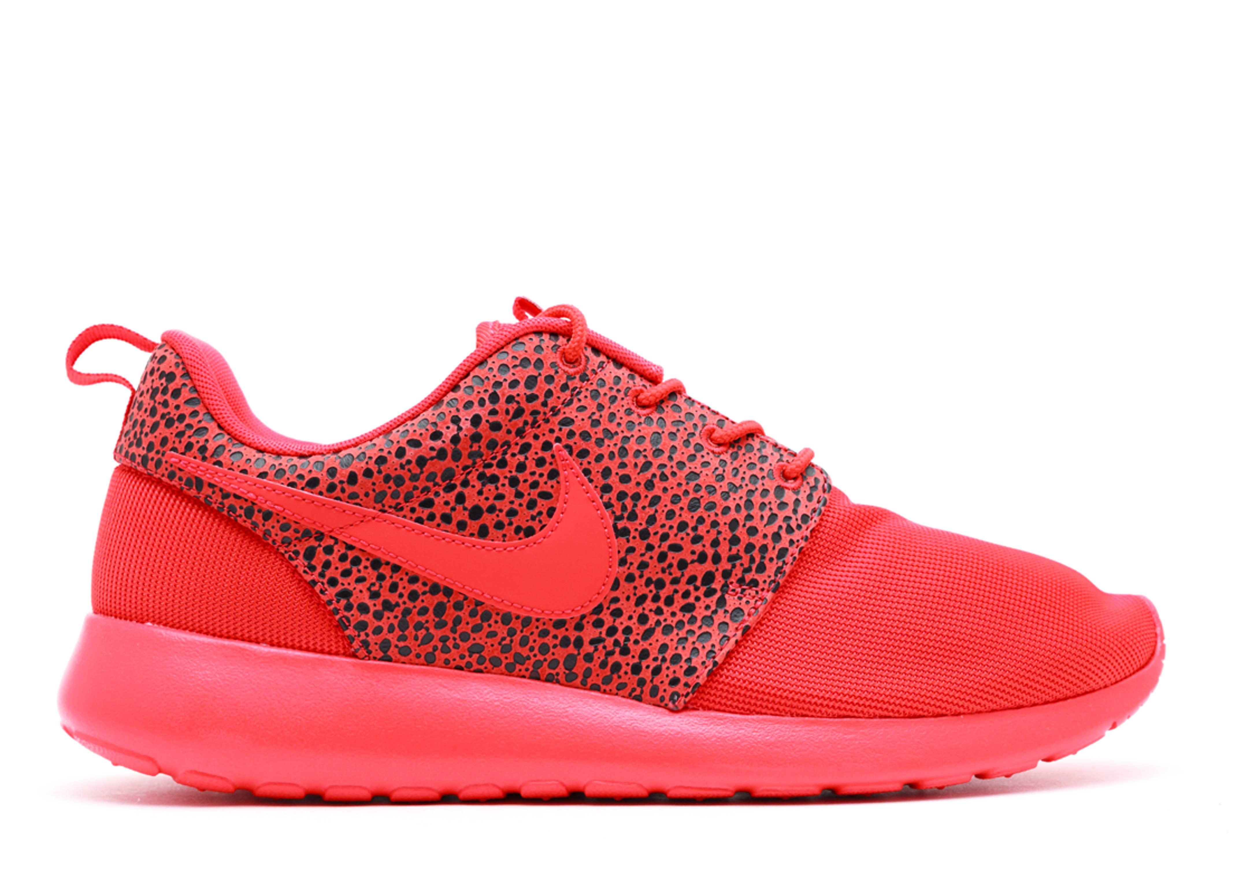 nike roshe run premium red safari hat