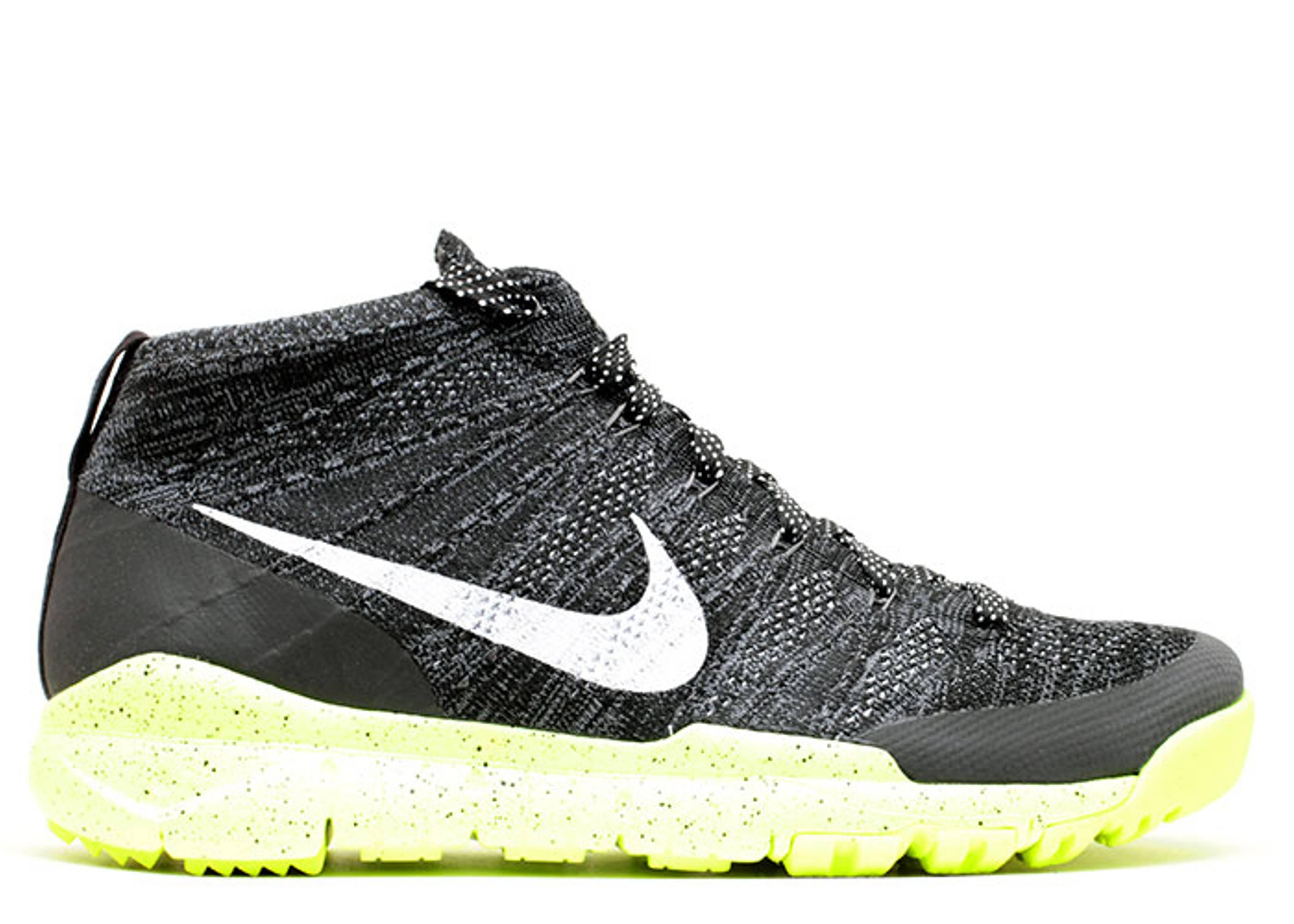 Nike Flyknit Chukka Black