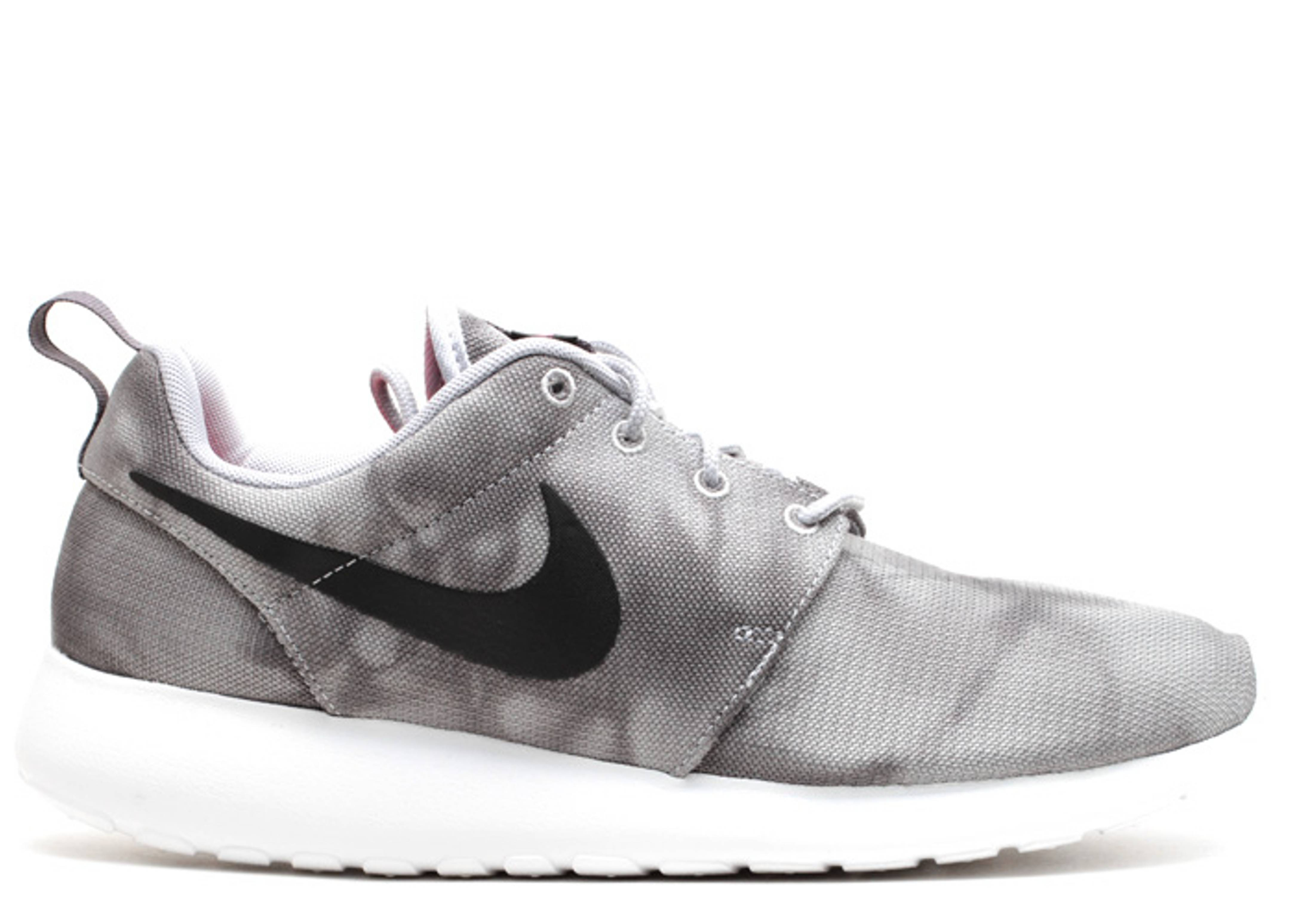 nike roshe run grey&#39s properties