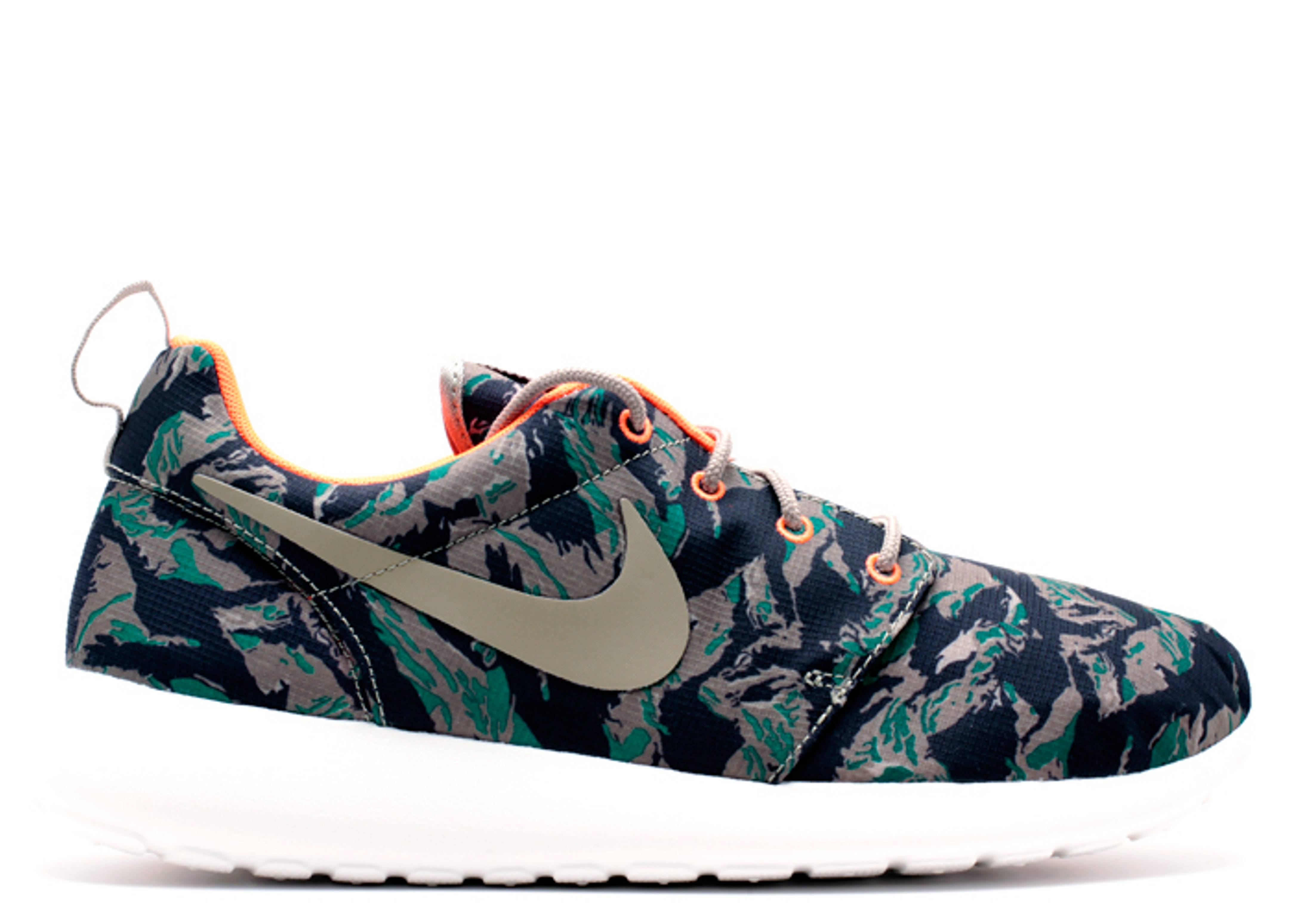 rosherun print tiger camo nike 655206 203 medium. Black Bedroom Furniture Sets. Home Design Ideas