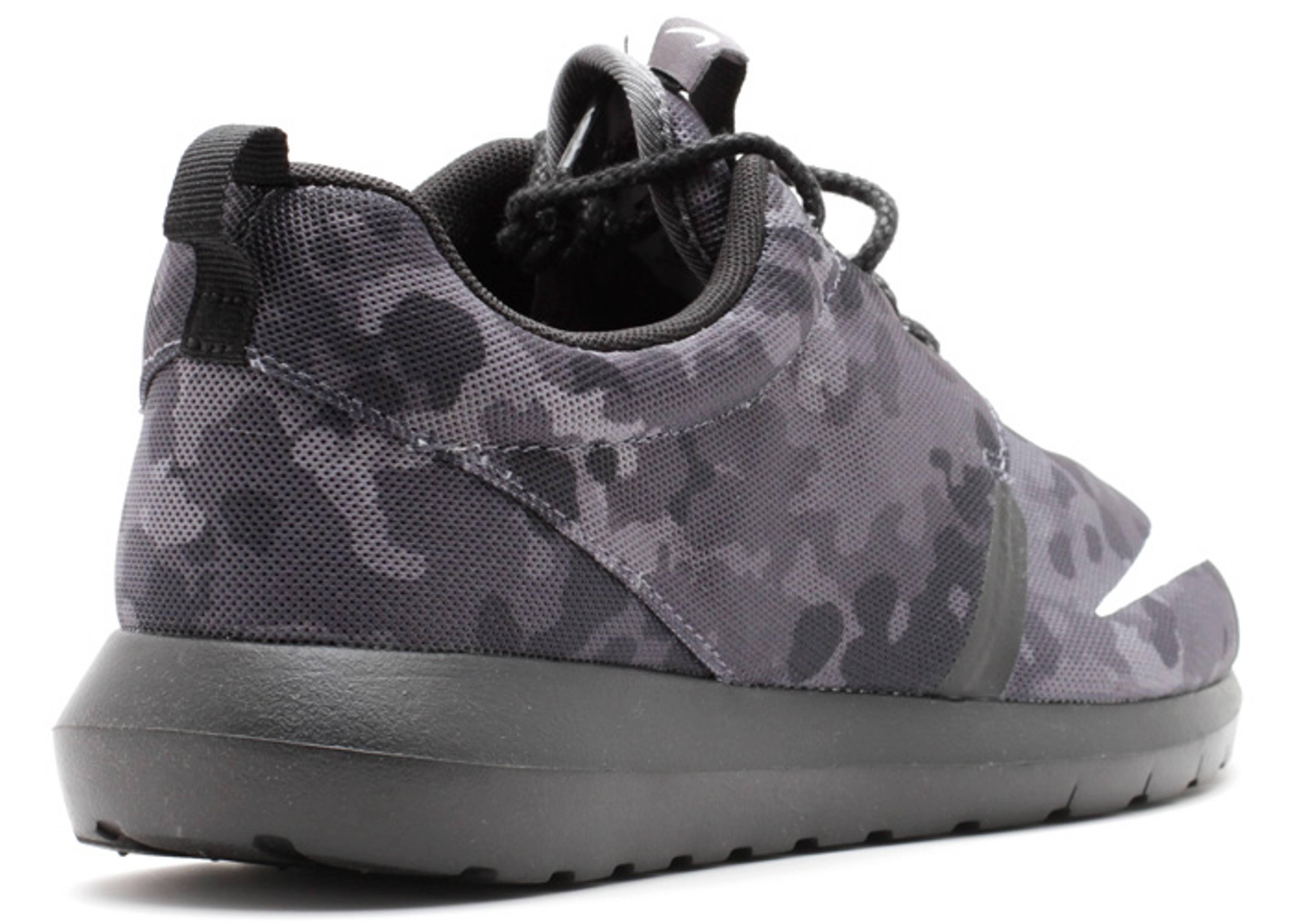 aa06a628825f Rosherun Nm Fb - Nike - 685196 001 - dark grey ivory-black