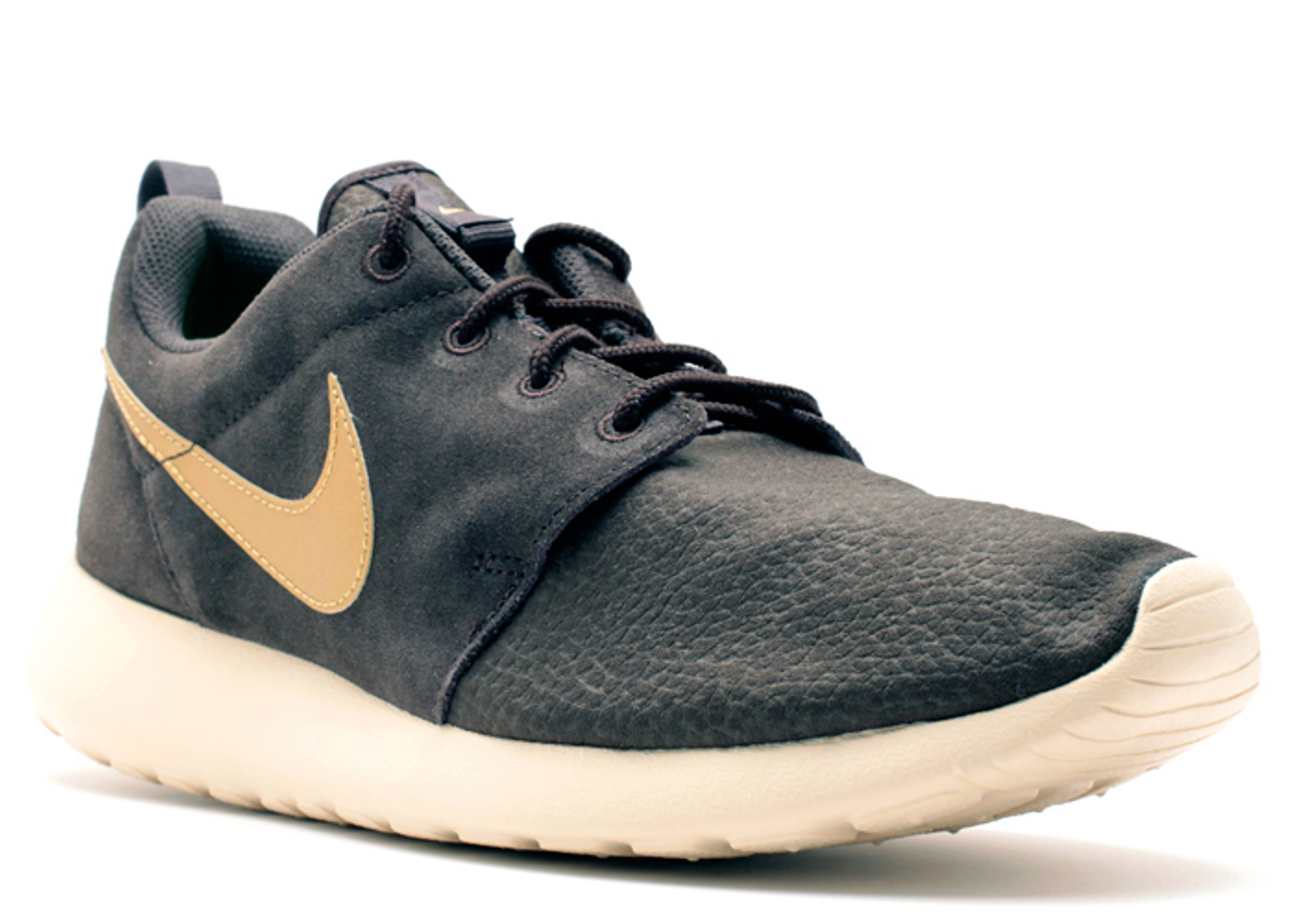 69f19e44d2a03 ... coupon code for nike roshe run brown suede b86cf c075f