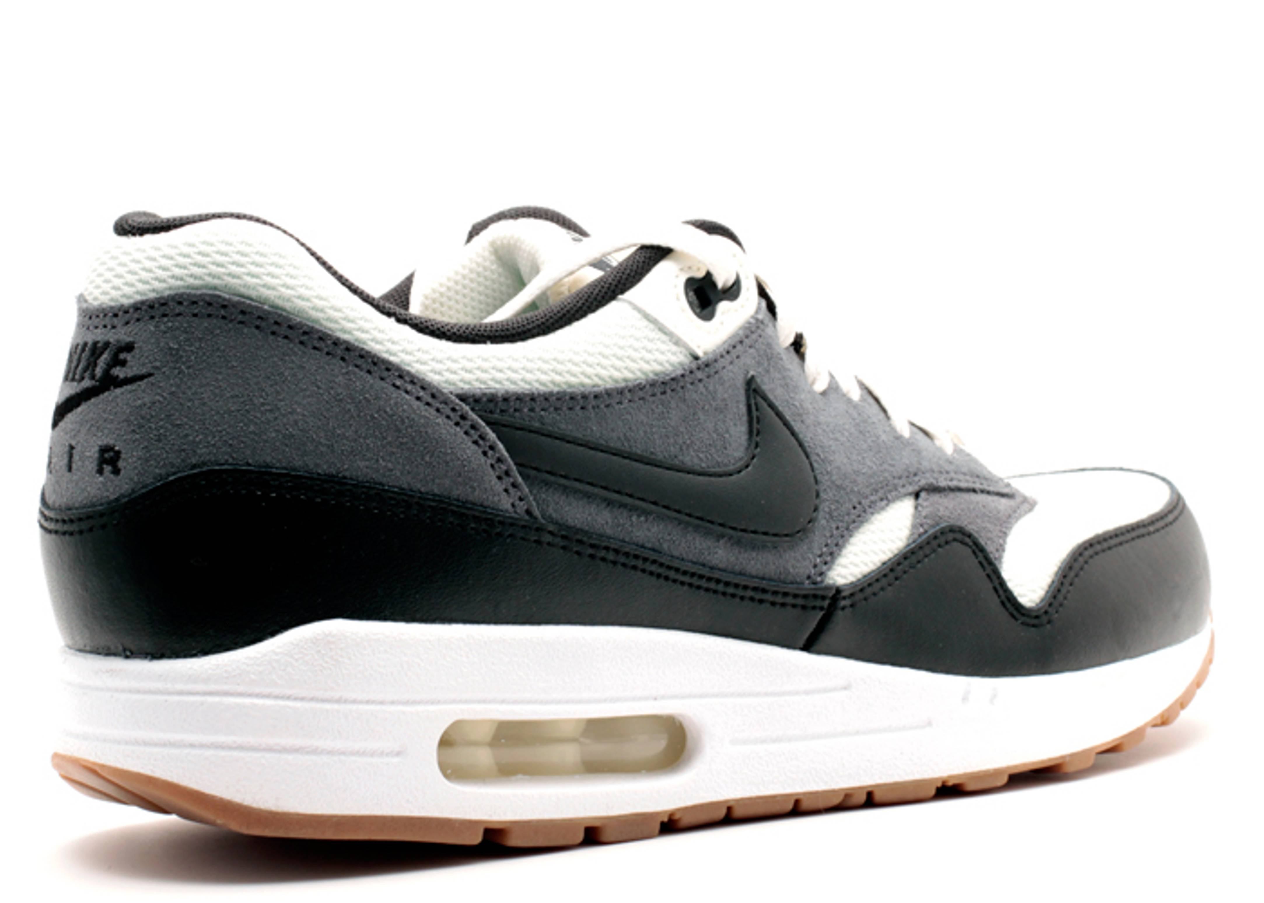air max 1 essential sail black dark grey. Black Bedroom Furniture Sets. Home Design Ideas