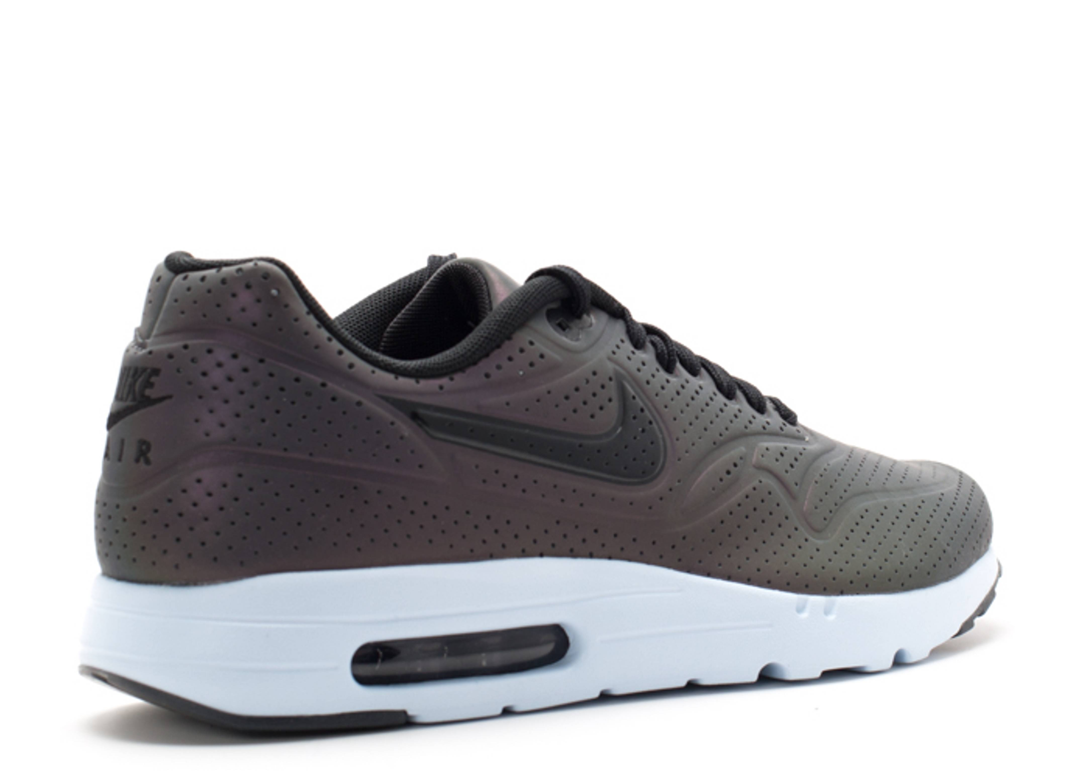 max 1 ultra moire