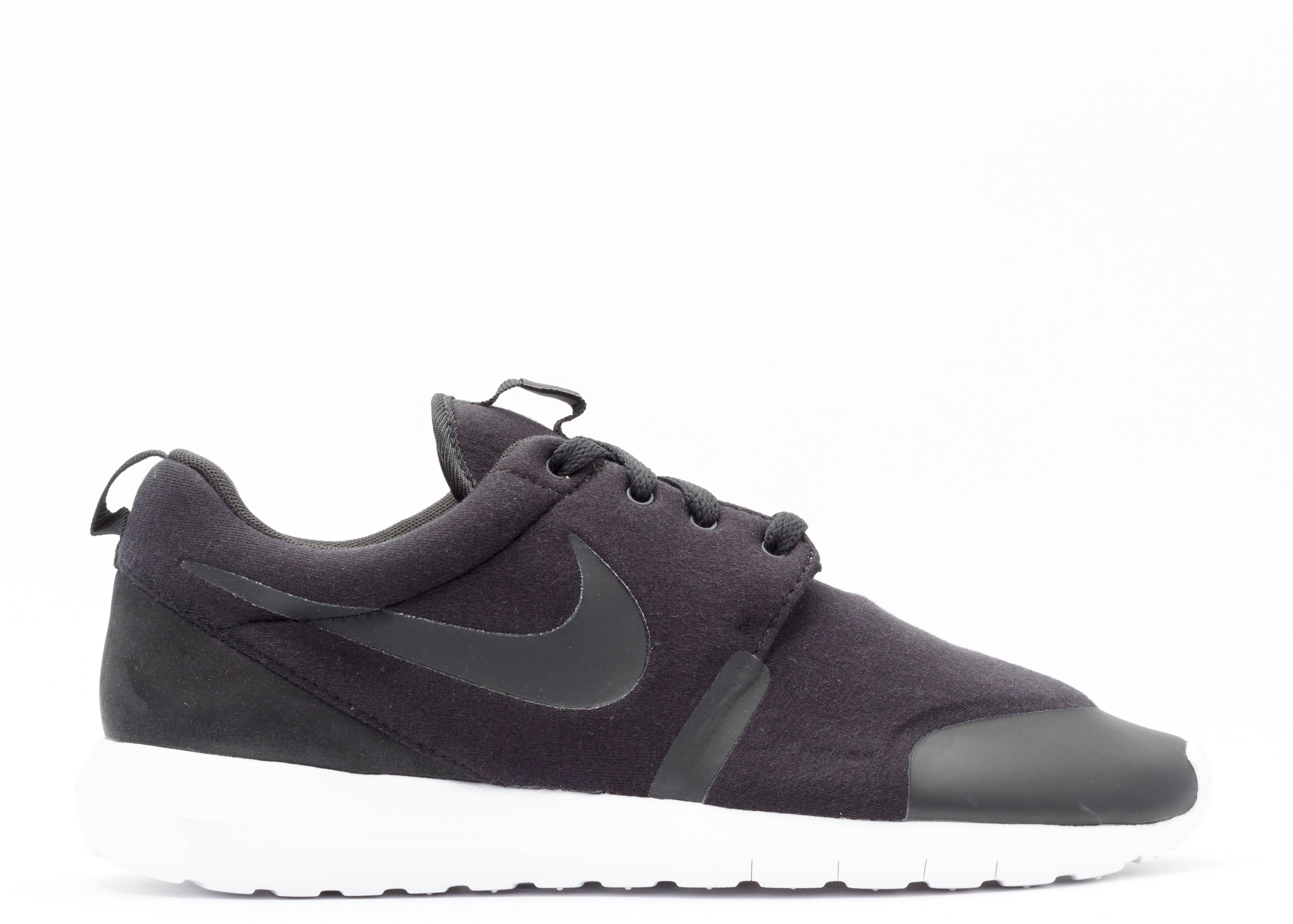 "roshe nm tp ""tech fleece pack"""
