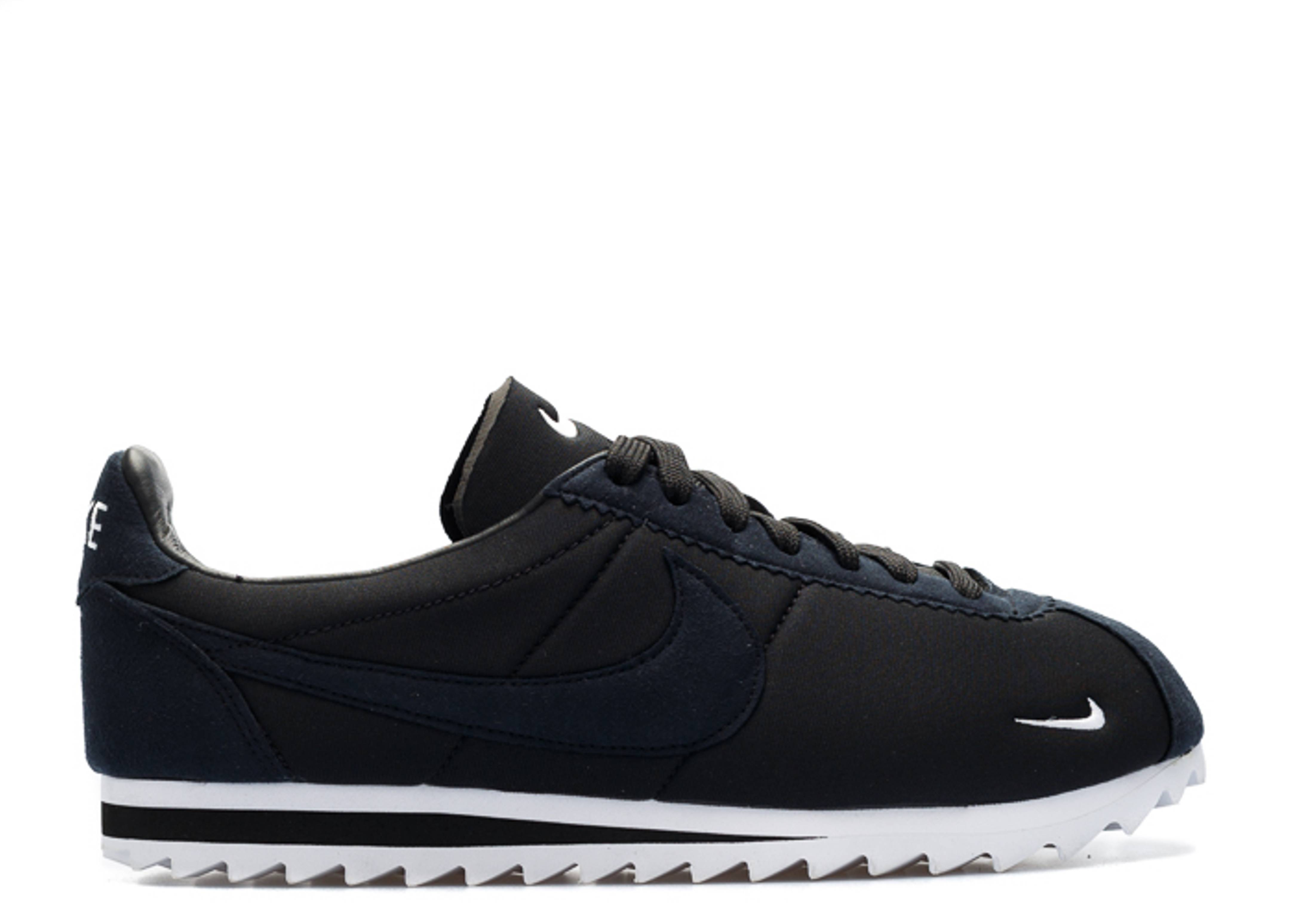 sports shoes ba7f5 af726 nike. classic cortez shark low sp