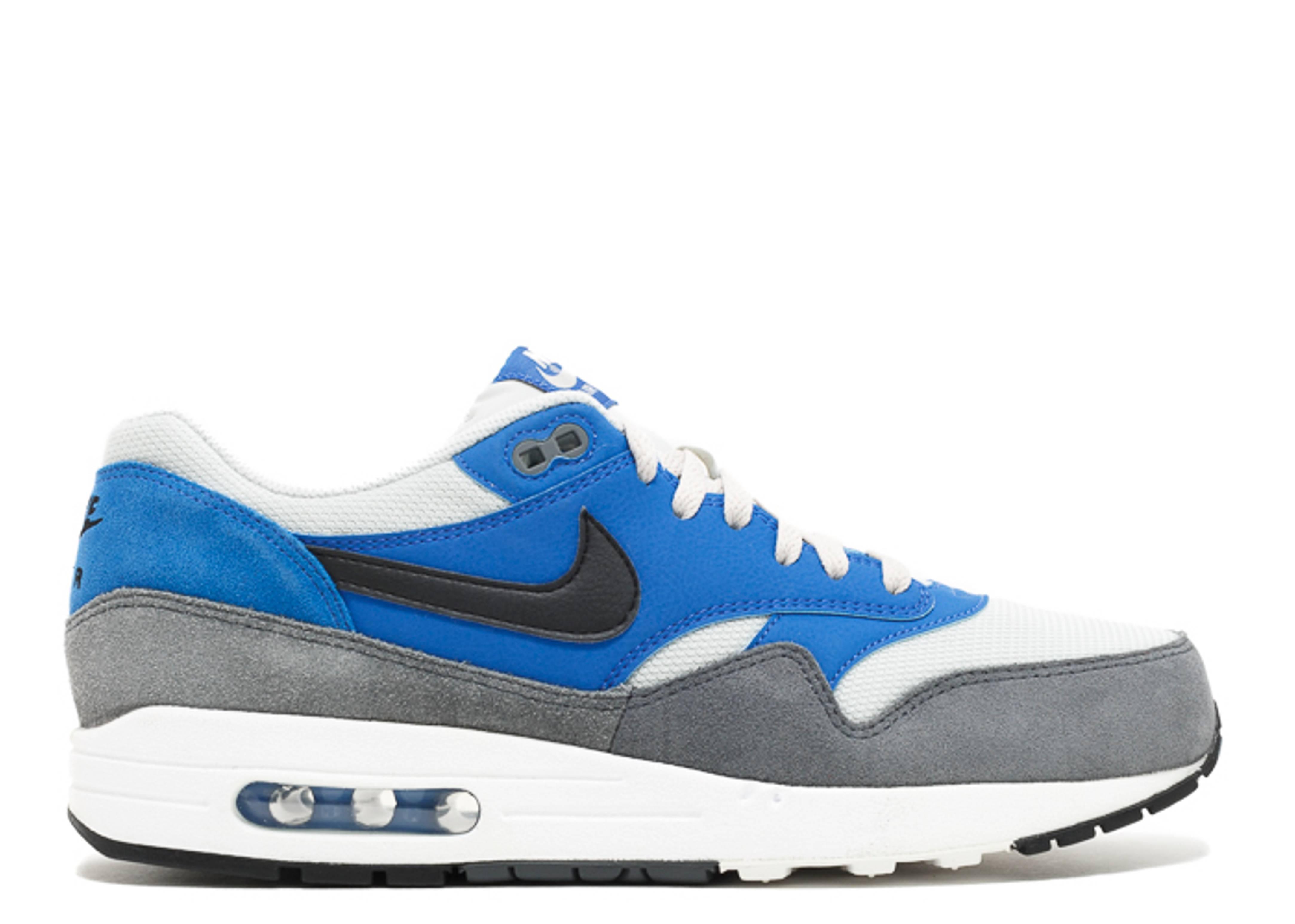 blue air max 1