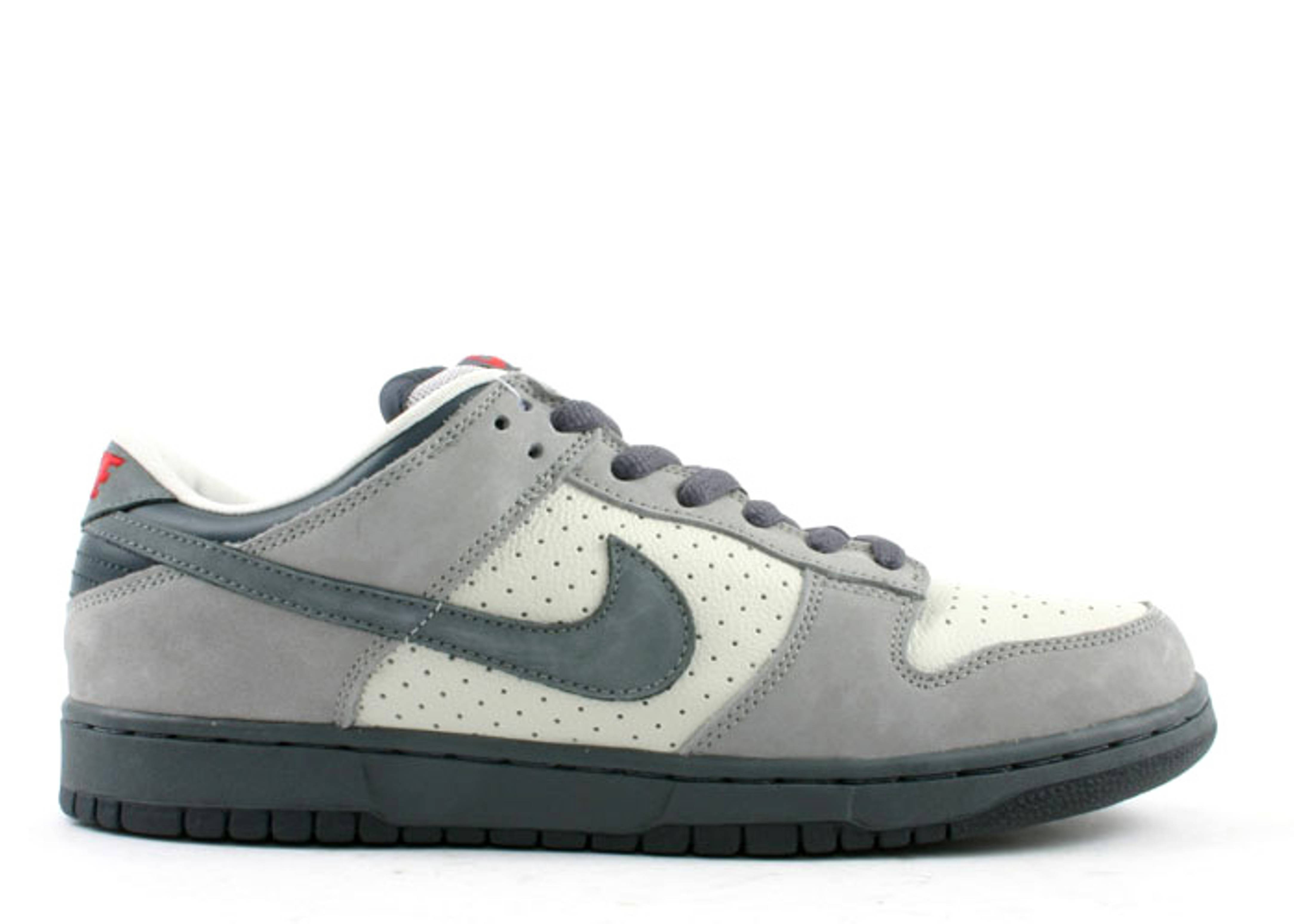 "dunk low pro sb ""band aid"""