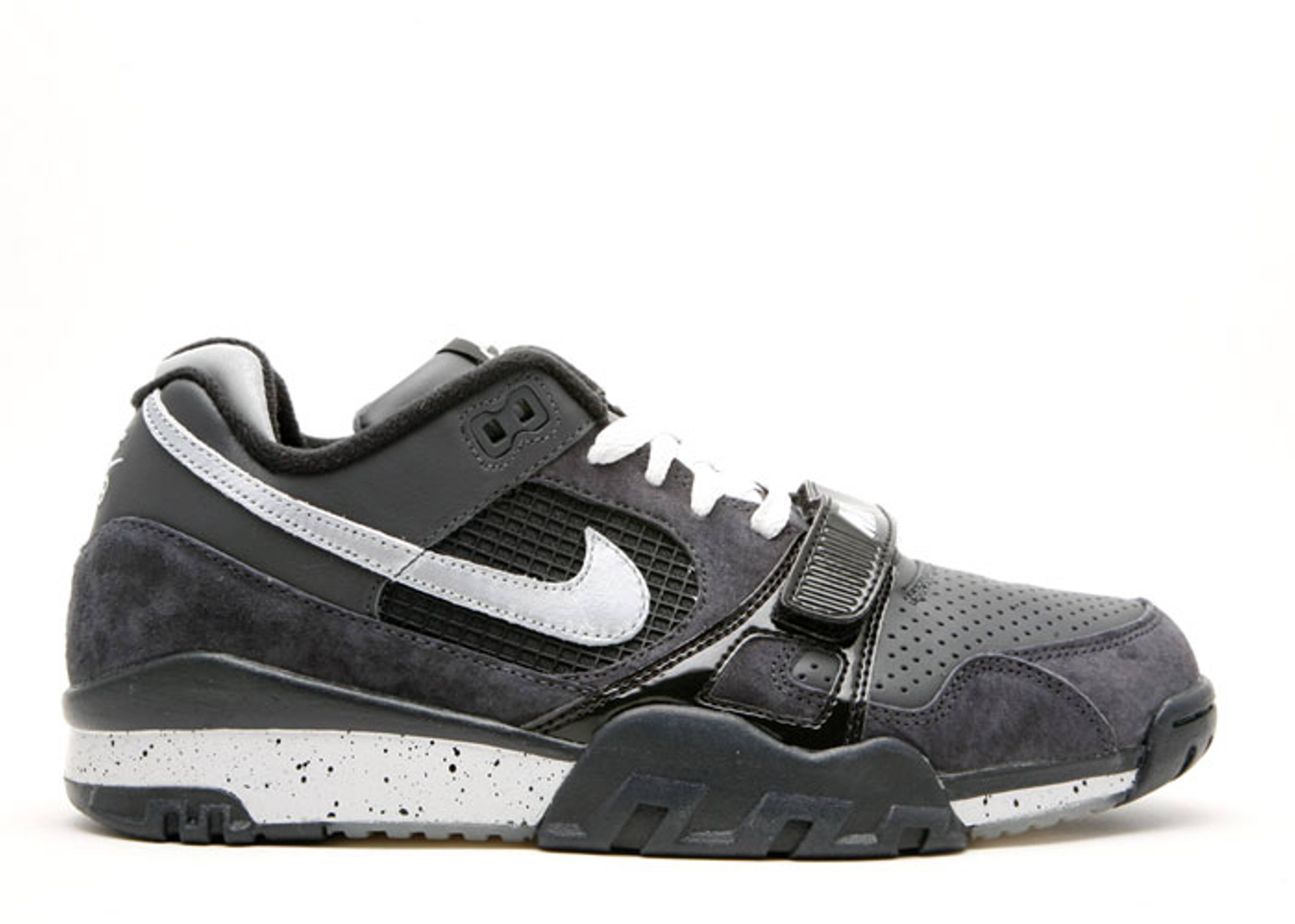 b76cc6d8558850 nike air trainer 2 ii sb anthracite reflective silver detailed pictures