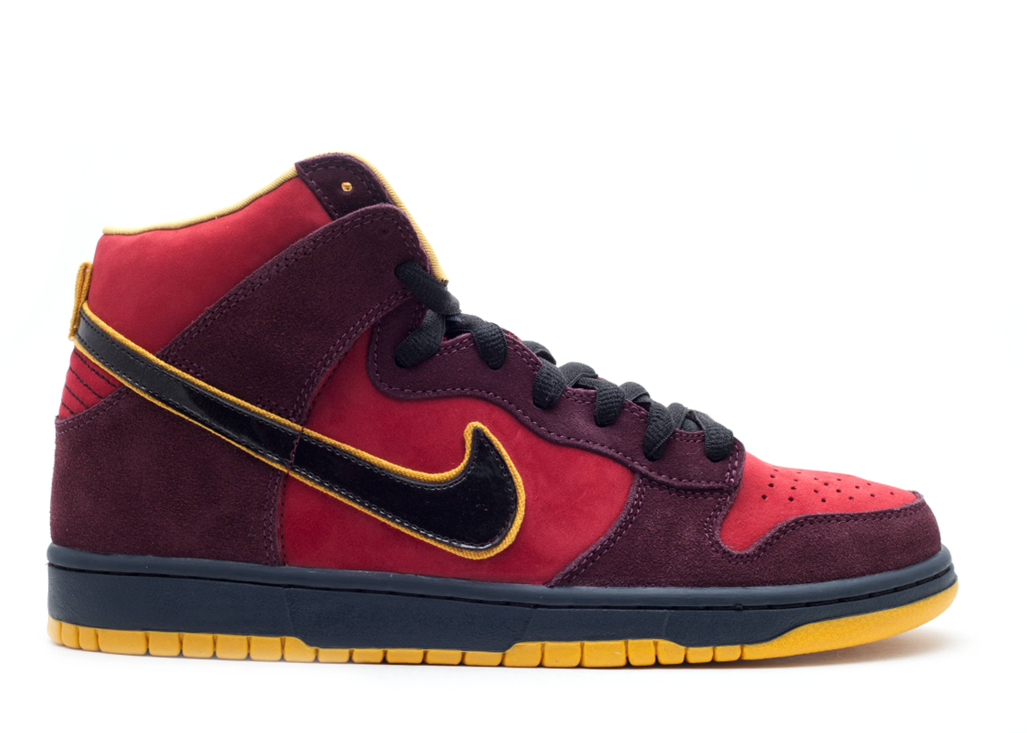 "dunk high premium sb ""iron man"""
