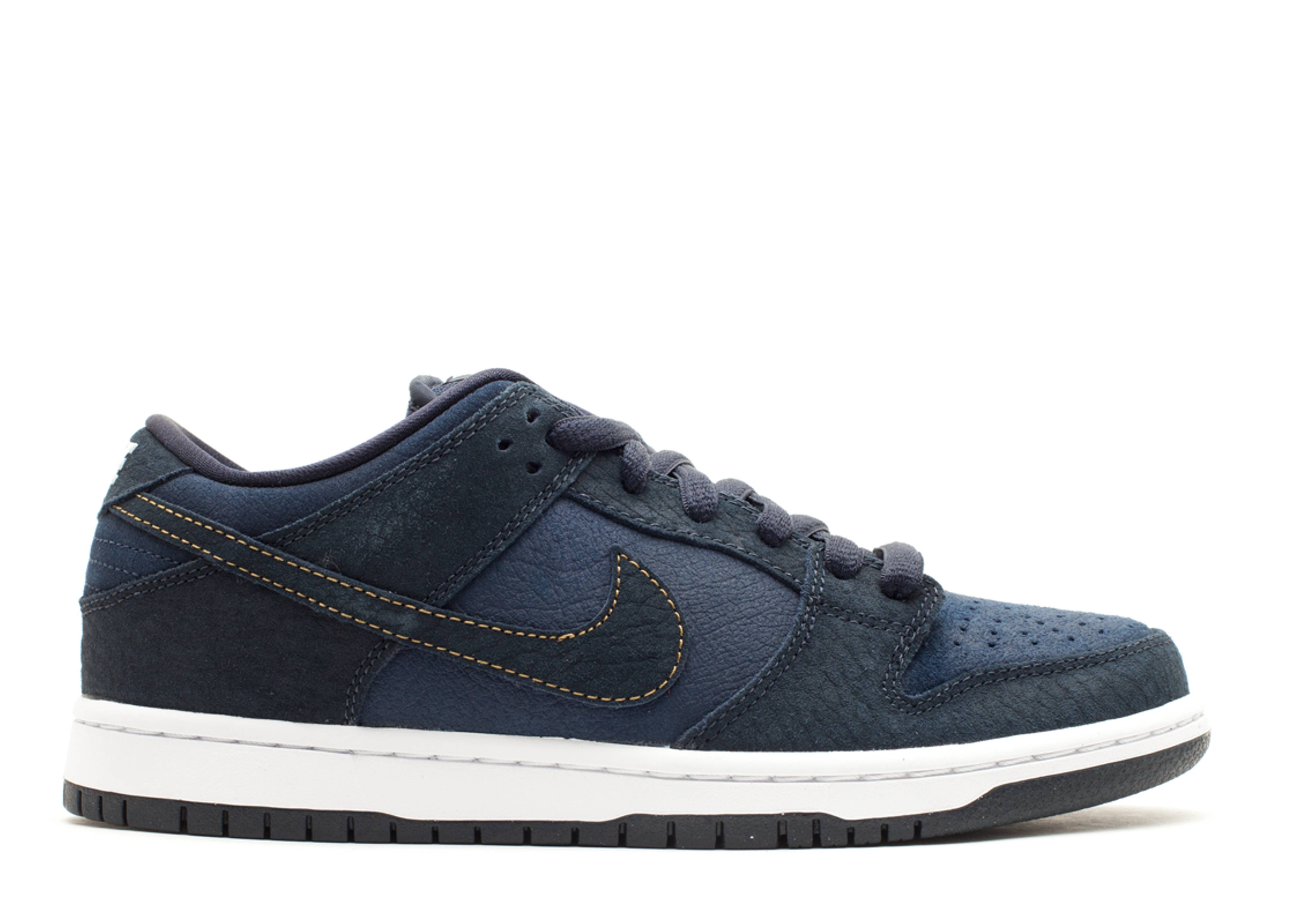 "dunk low pro sb ""us passport"""