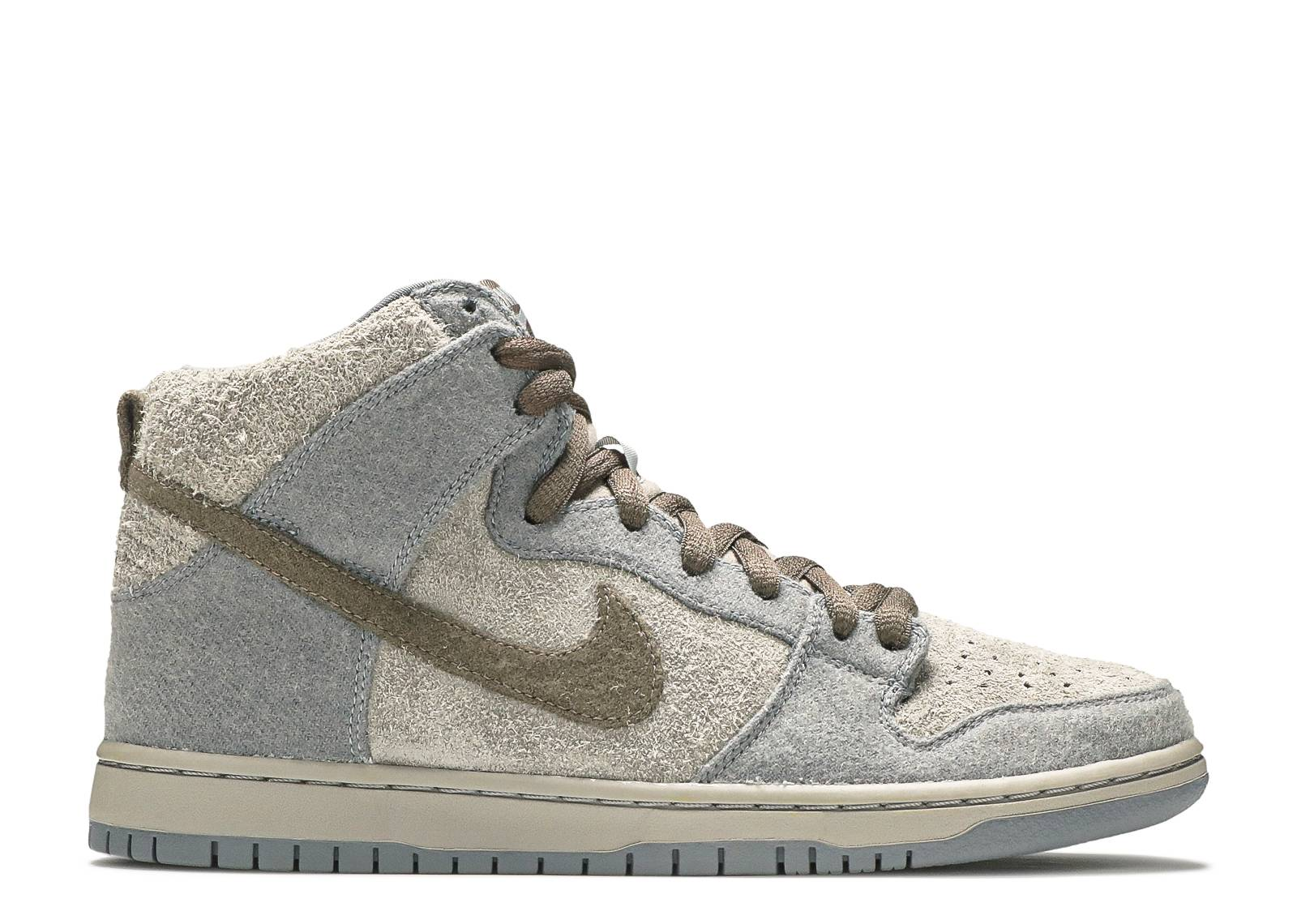 "dunk high premium sb ""tauntaun"""