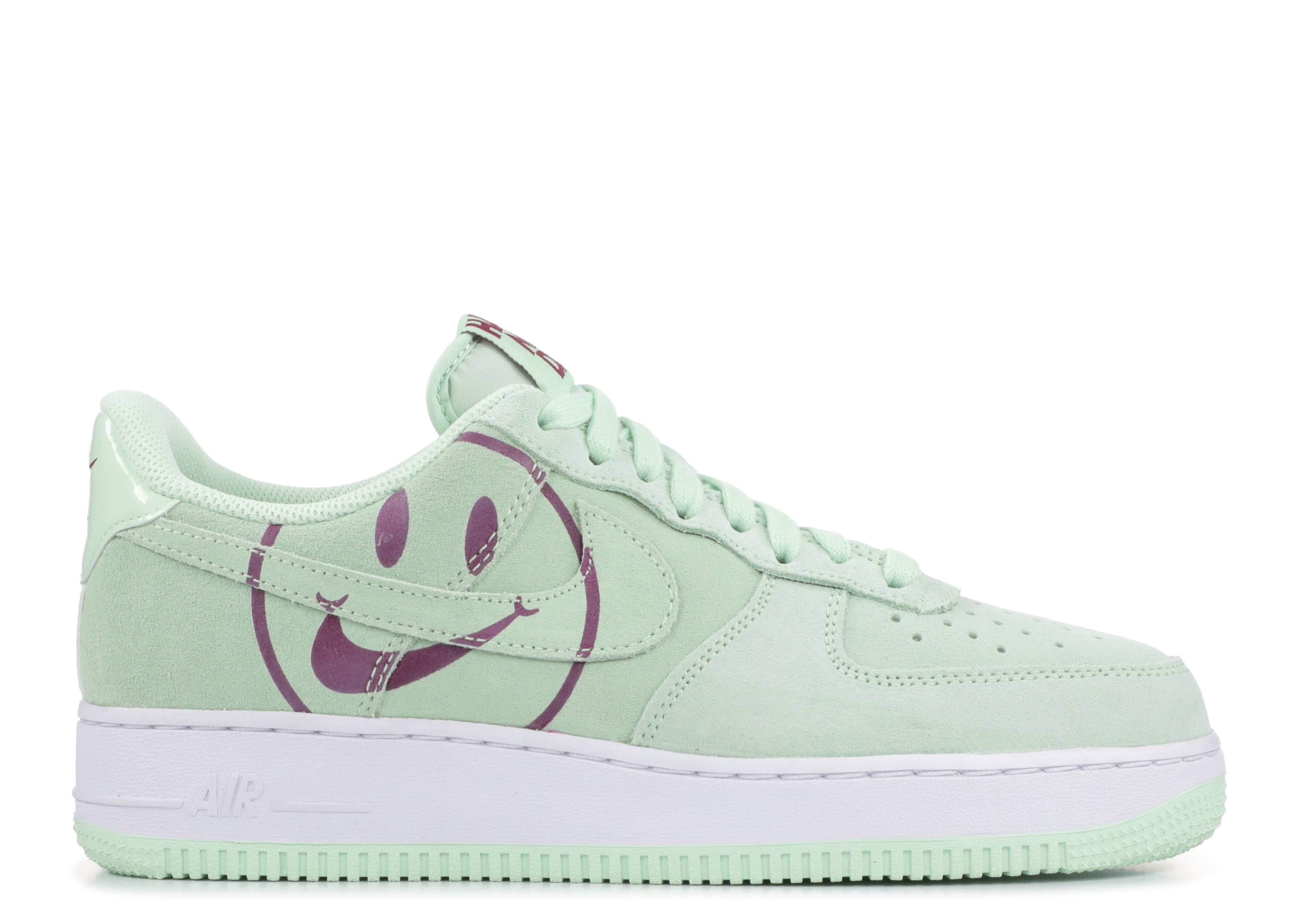 Air Force 1 '07 LV8 Have a Nike Day Sneaker