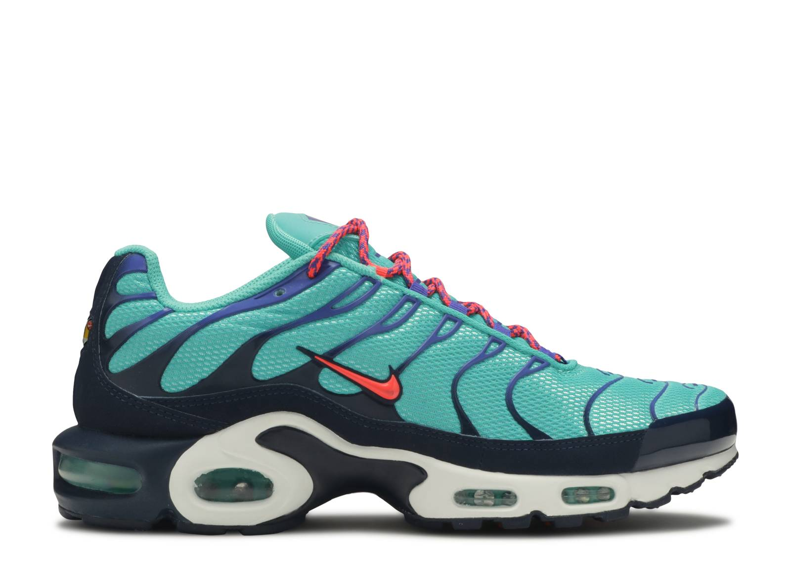 official photos e5186 1ce97 air max plus