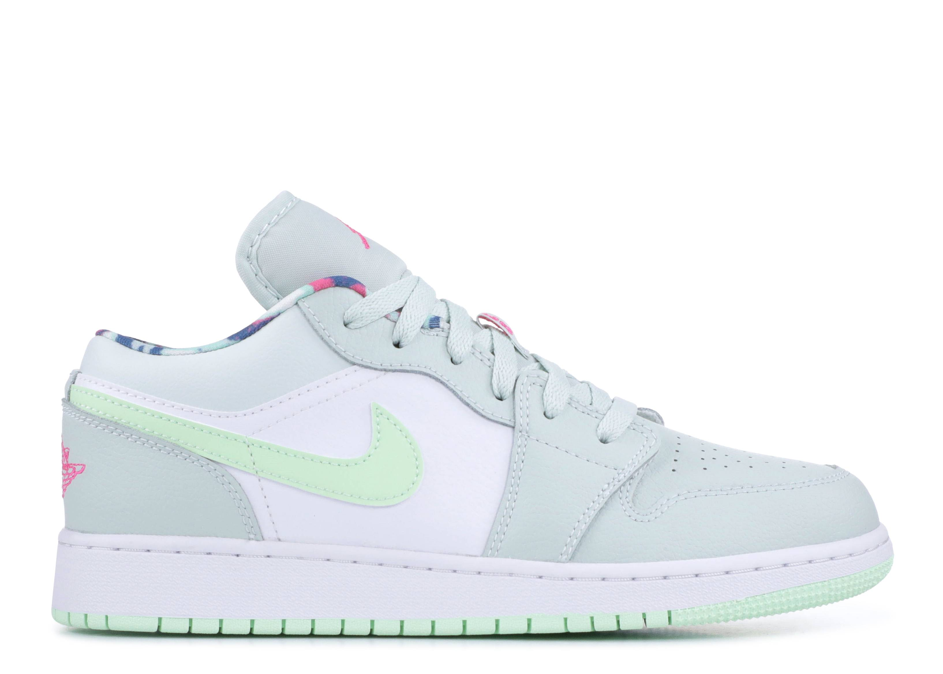 "Air Jordan 1 Low GS ""Barely Grey Spruce"""