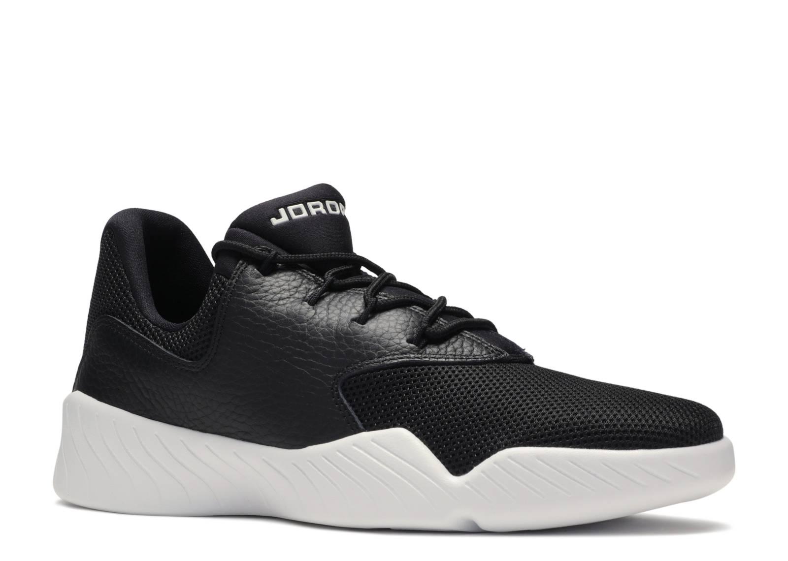 Black White' - Air Jordan - 905288 010