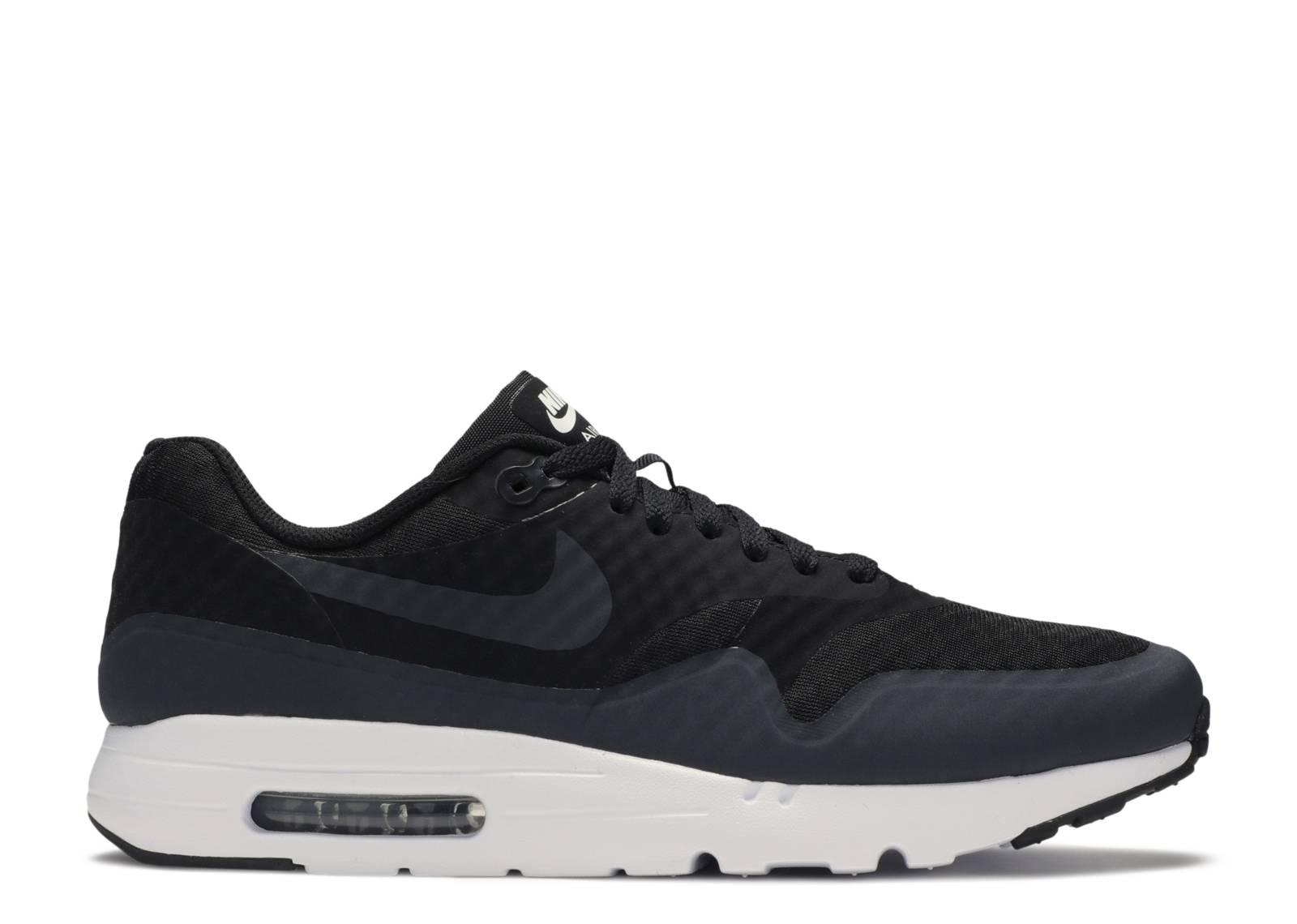 Nike Air Max 1 Ultra Essential (Black)