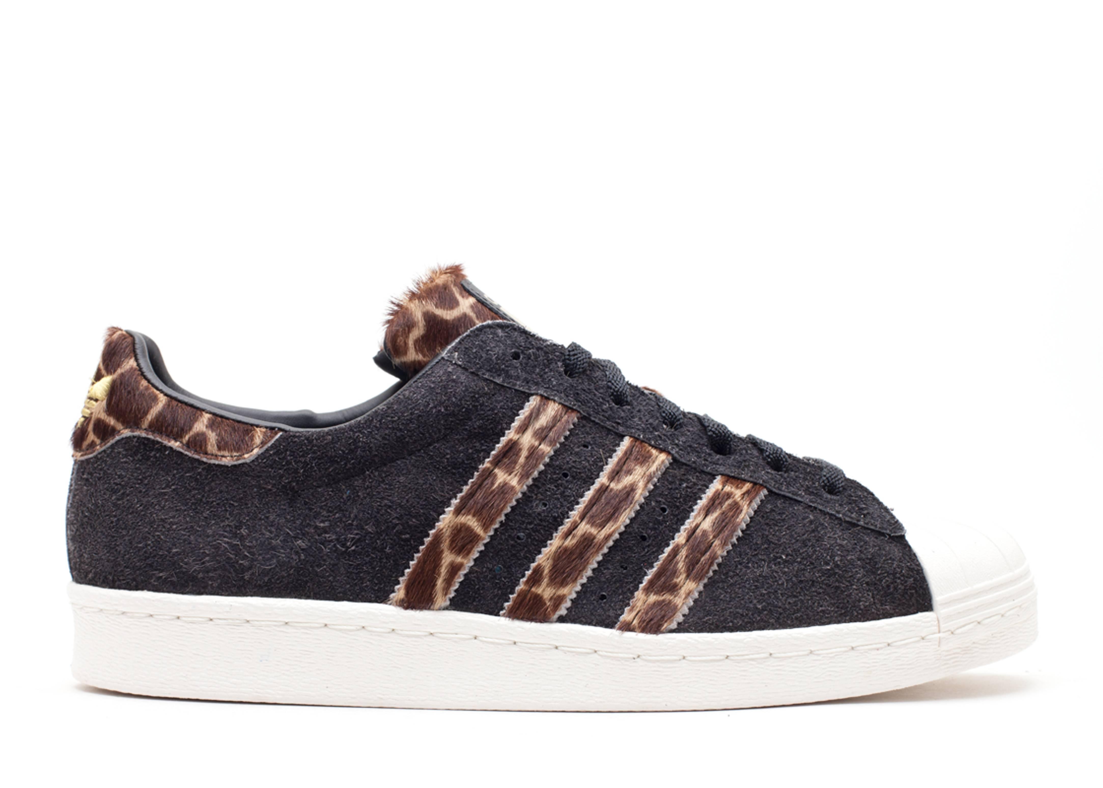 ae5c0763d237 Superstar 80s Grf - Adidas - q21903 - wheat black1 chalk2