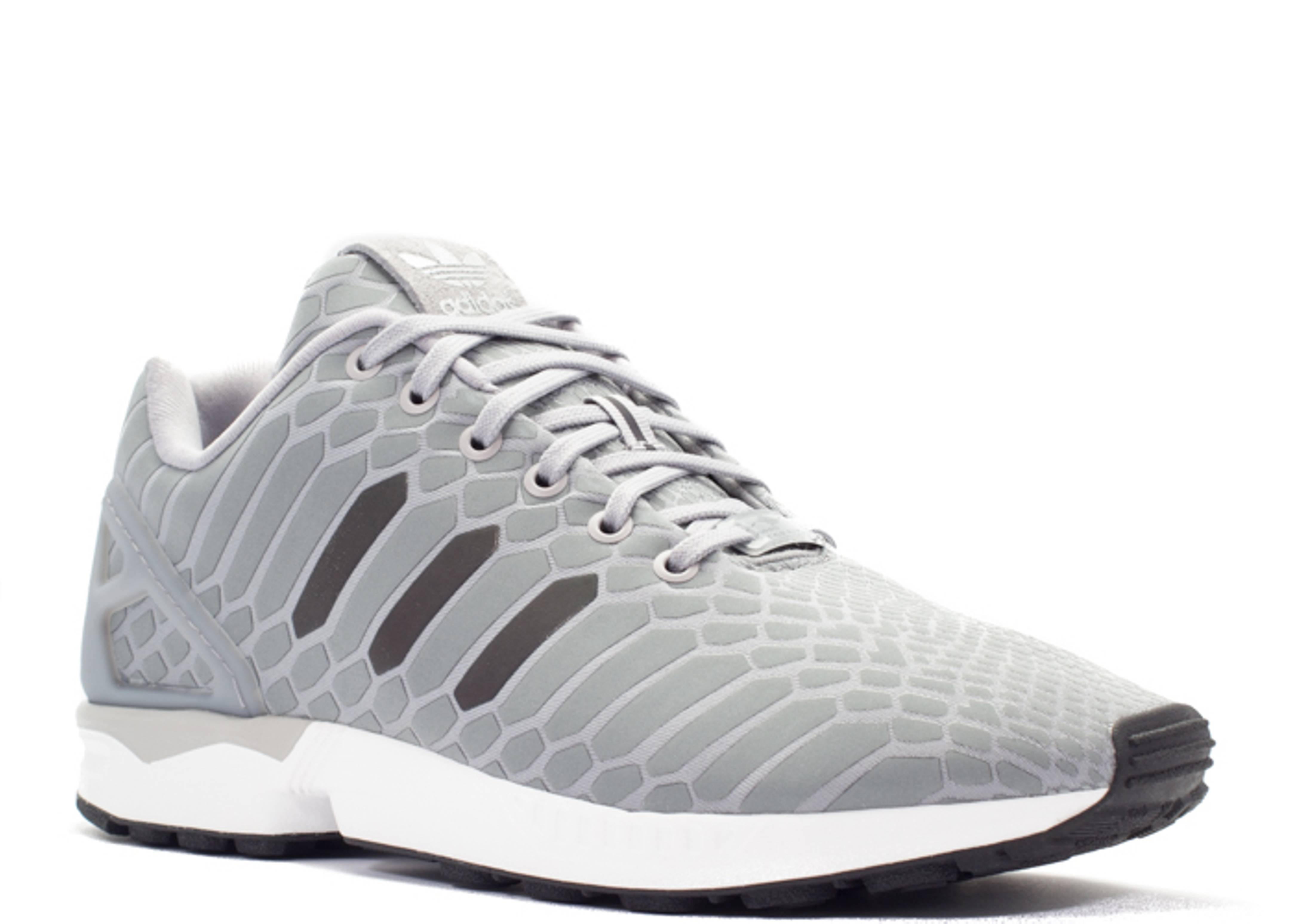 reputable site 046f6 a2065 Zx Flux